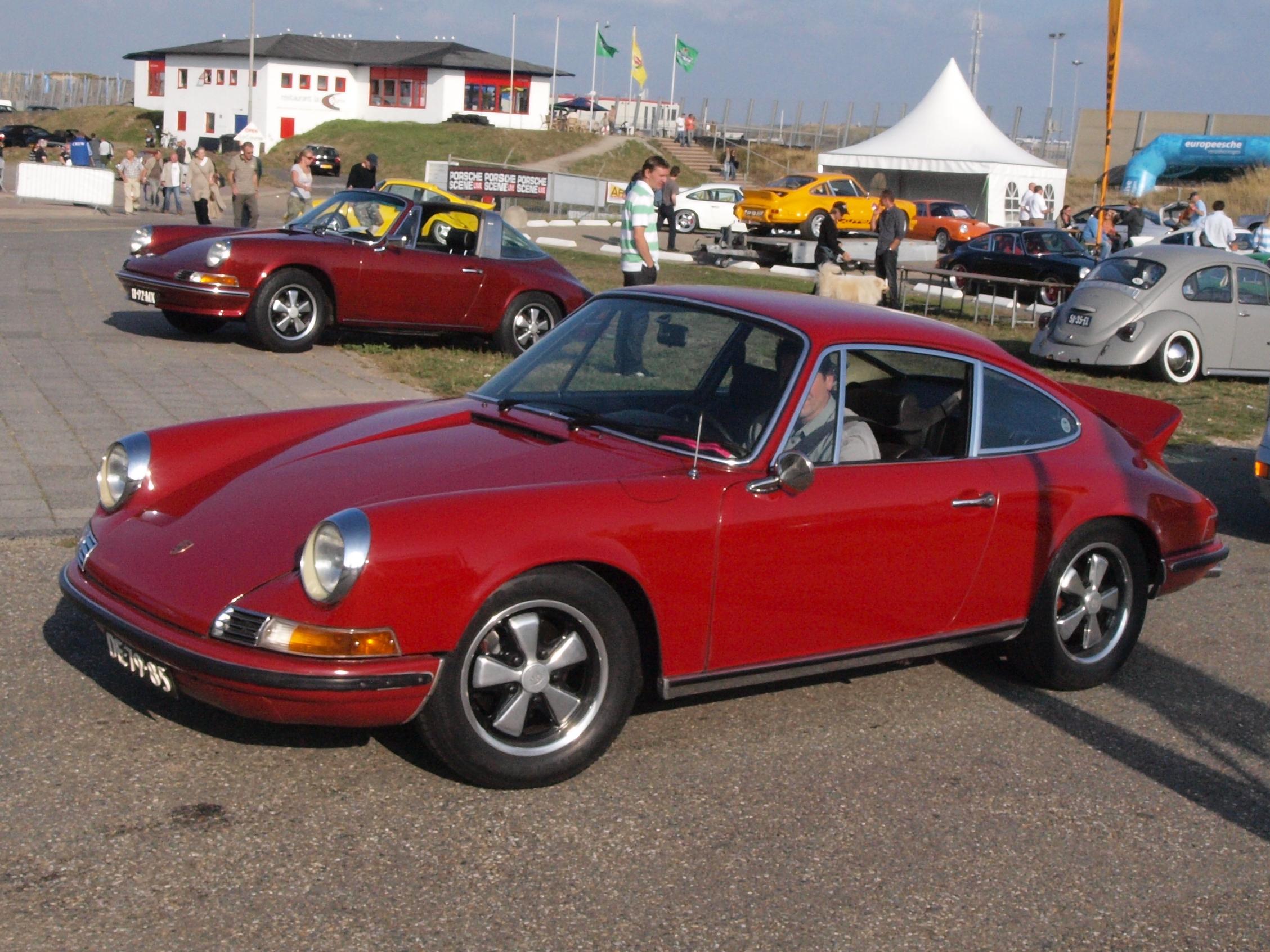 File:Porsche 911 E dutch licence registration DE-79-85.jpg ...