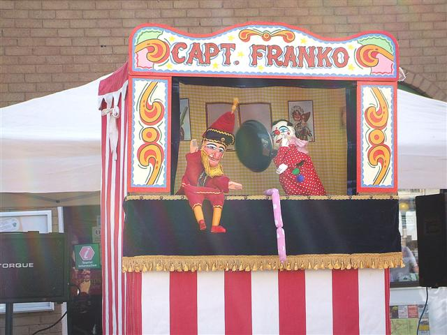 File:Punch and Judy show, Omagh - geograph.org.uk - 391647.jpg