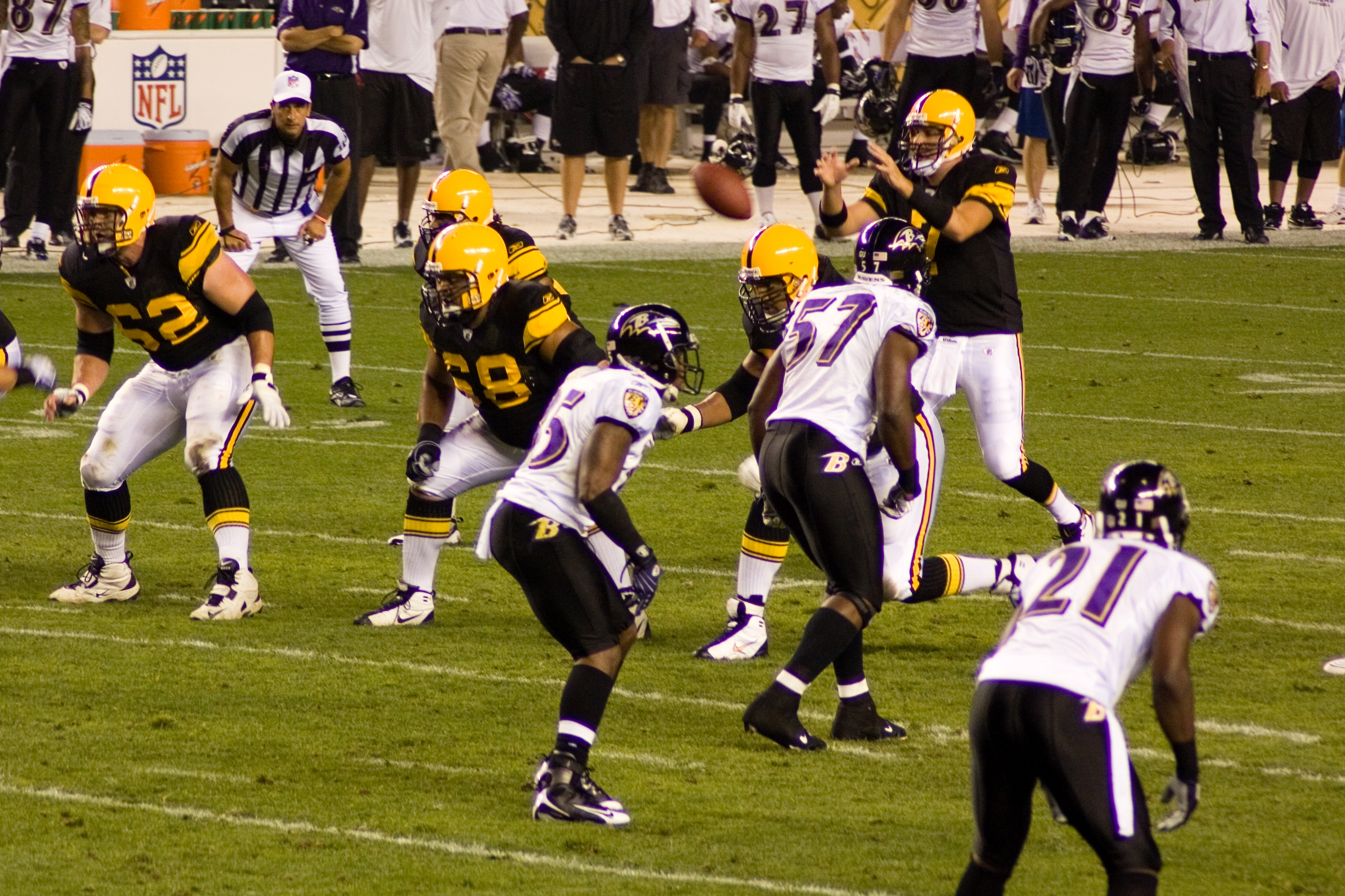 brand new f2518 37745 File:Ravens vs Steelers 2008 MNF 3.jpg - Wikimedia Commons