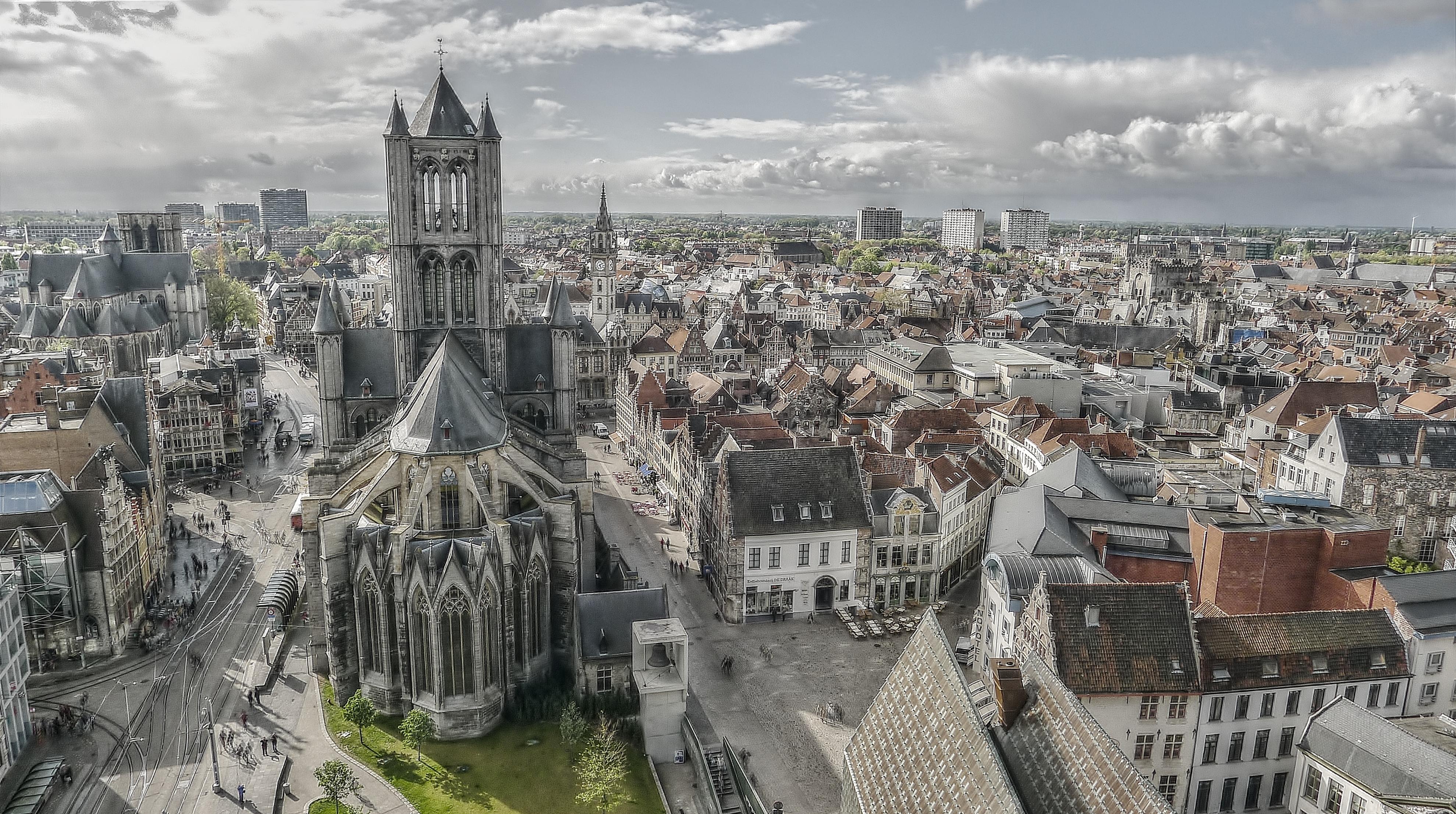 Ghent destino para amantes de comida vegan - Igreja São Nicolau