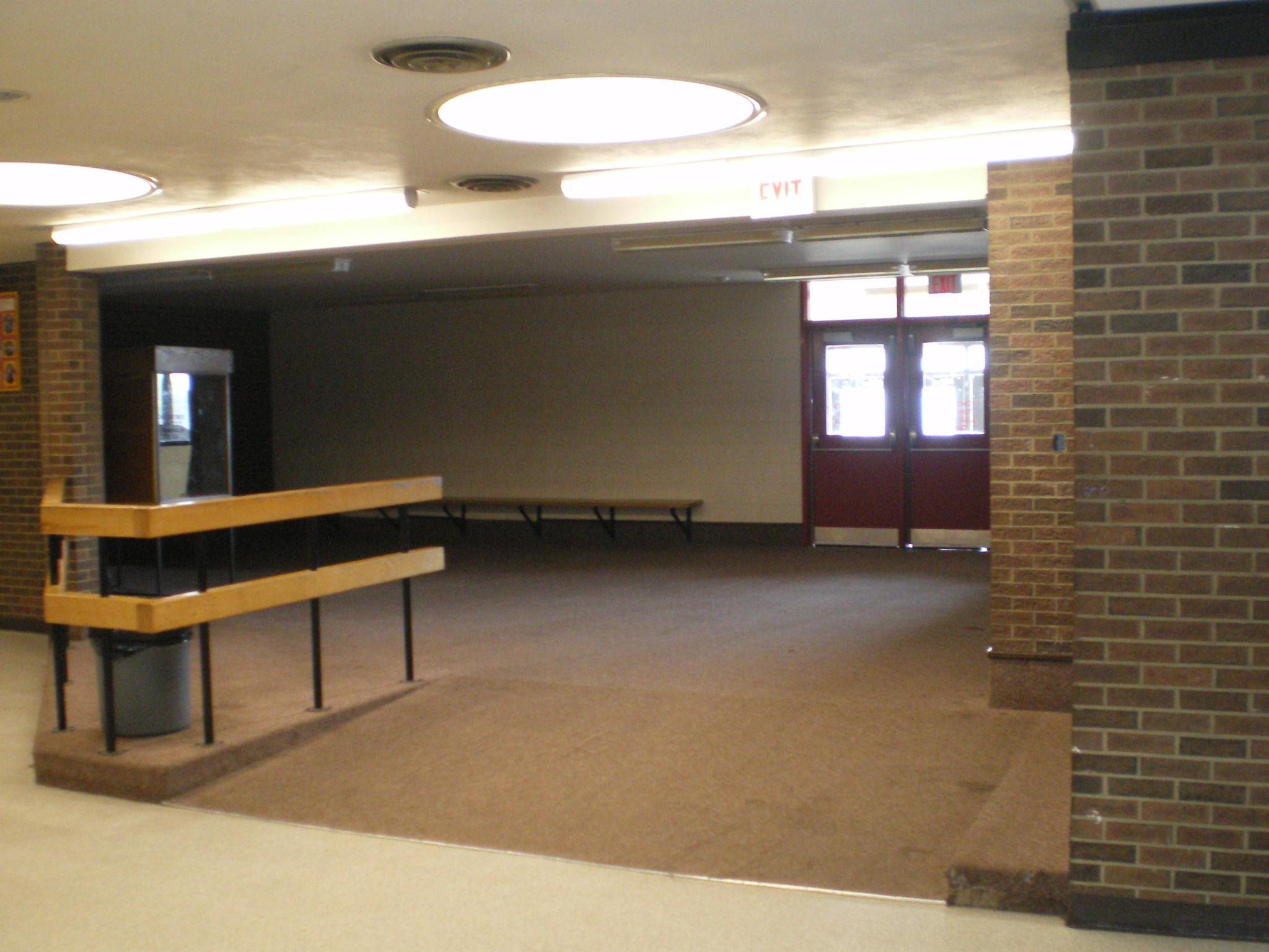 File:Saunders Secondary - Alcove.JPG - Wikimedia Commons