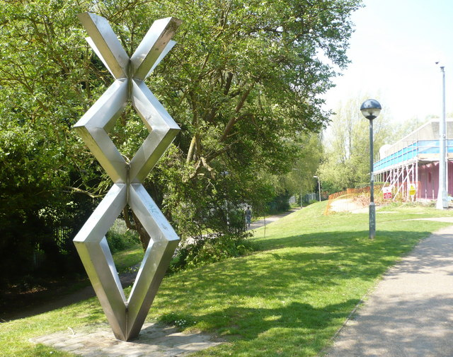 File:Sculpture by the footpath at Kingsmead - geograph.org.uk - 1269976.jpg