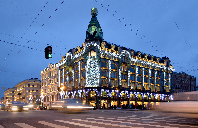 здание ночью фото