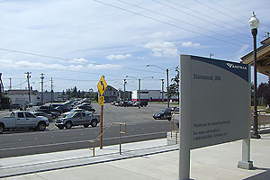 File:Stanwood parking lot.jpg