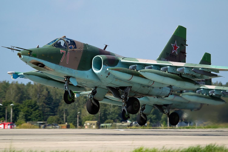 Su 25 (航空機)の画像 p1_36