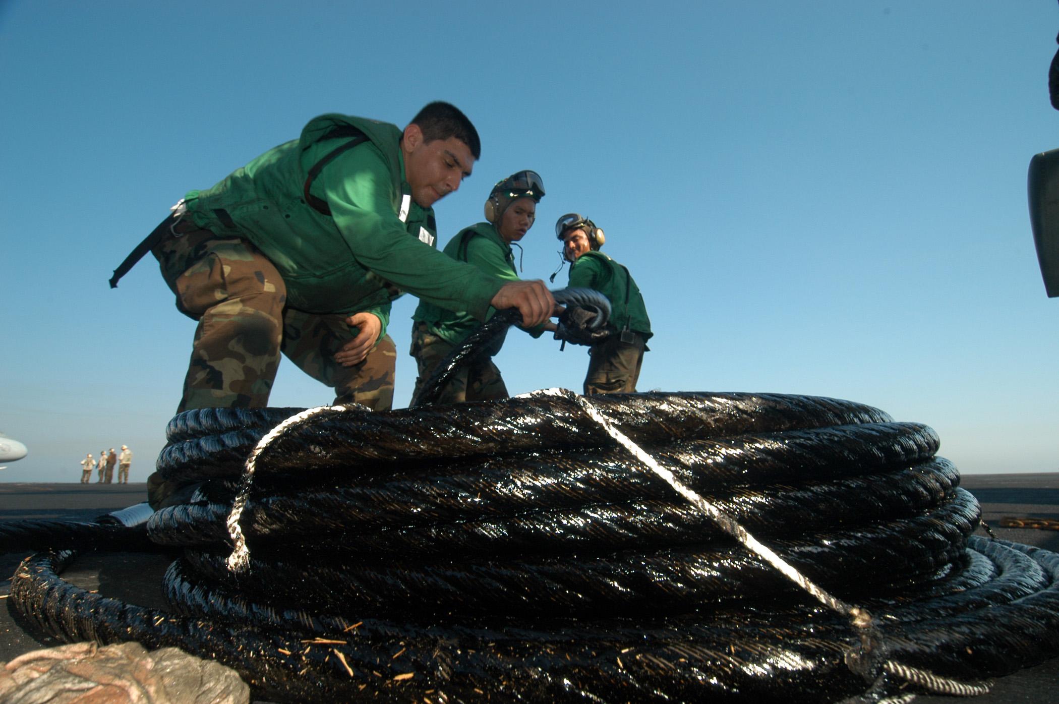 File Us Navy 041006 N 8704k 003 Sailors Assigned To V 2