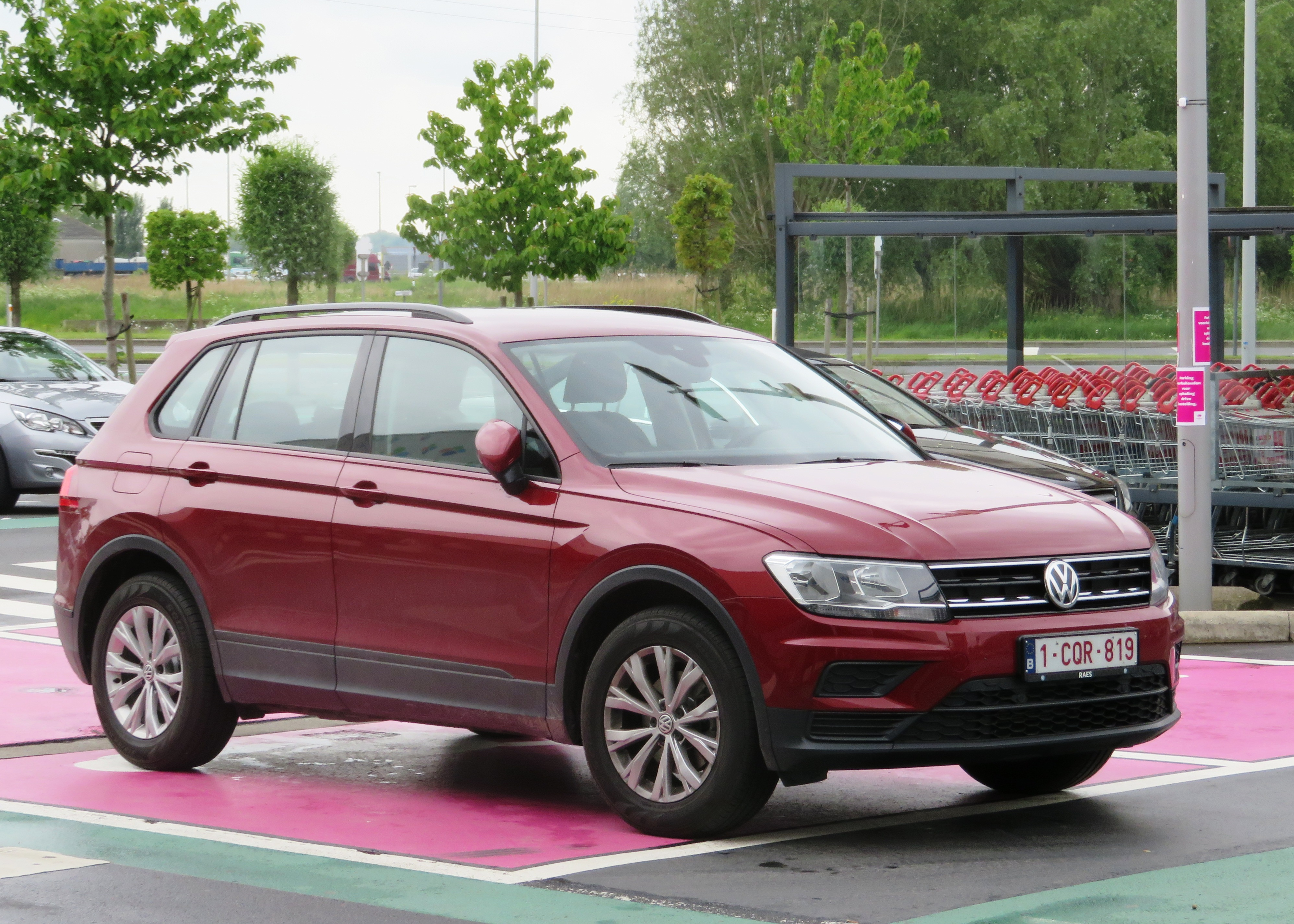 vw tiguan ii wikiwand. Black Bedroom Furniture Sets. Home Design Ideas