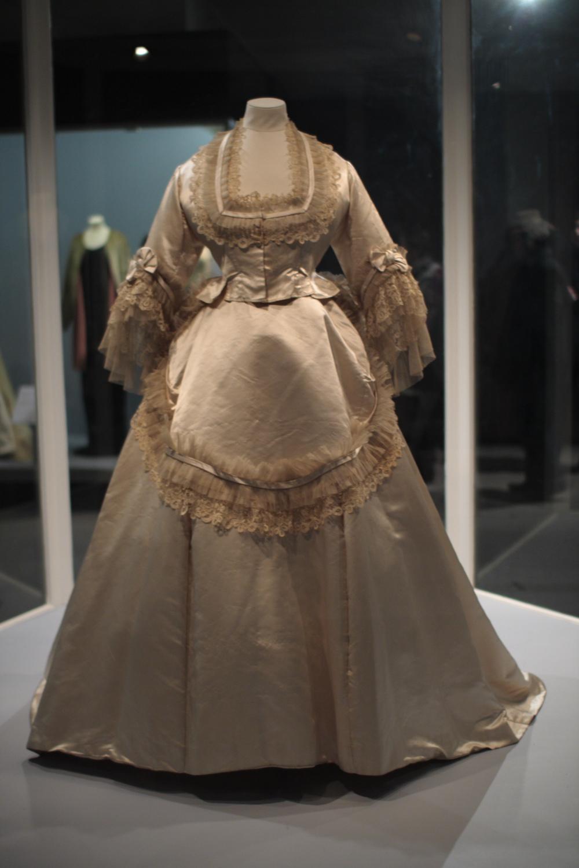Weddings in the 1500 s description wla vanda wedding dress ca 1870 jpg