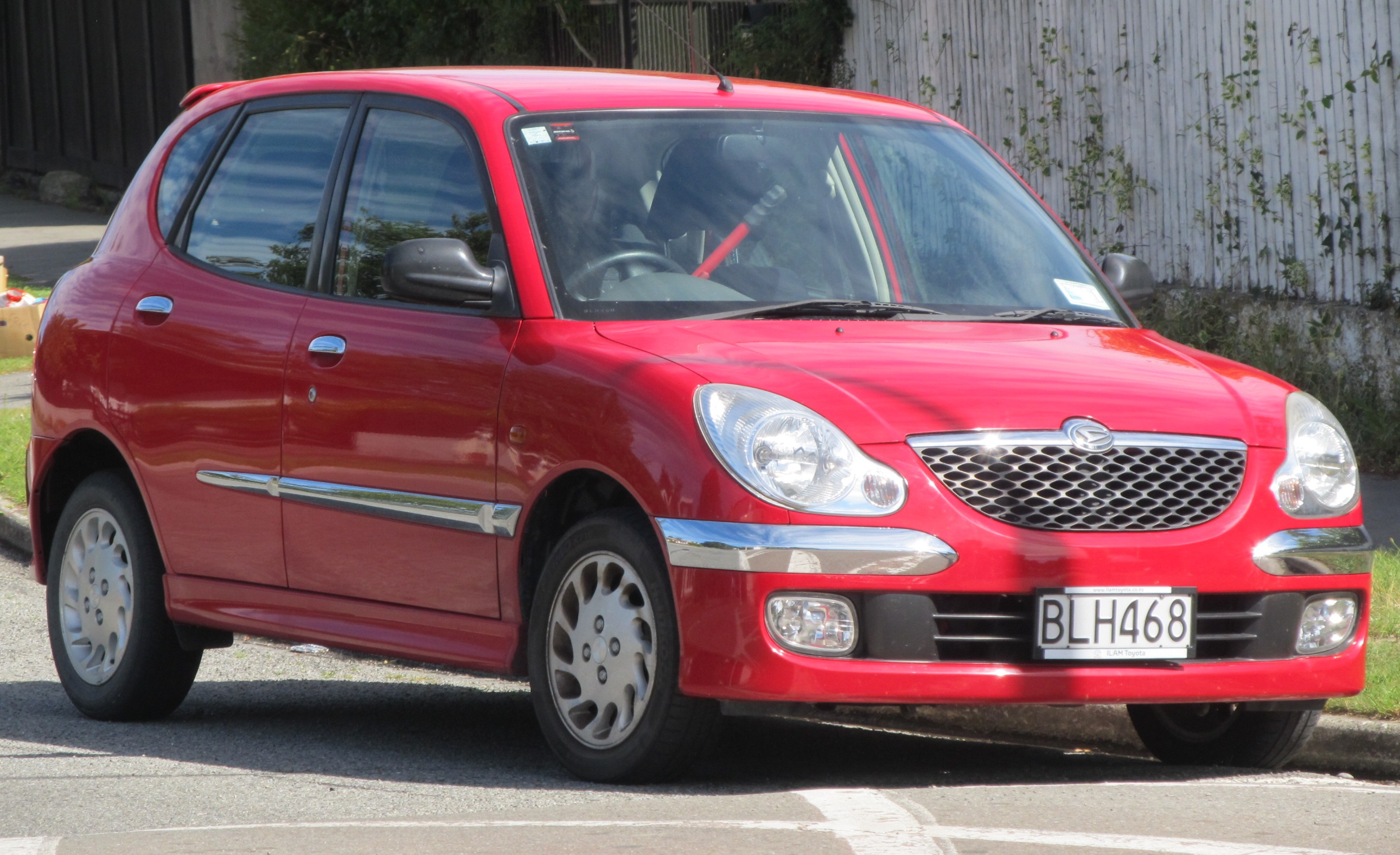 file 2003 daihatsu sirion facelift new zealand jpg wikipedia. Black Bedroom Furniture Sets. Home Design Ideas
