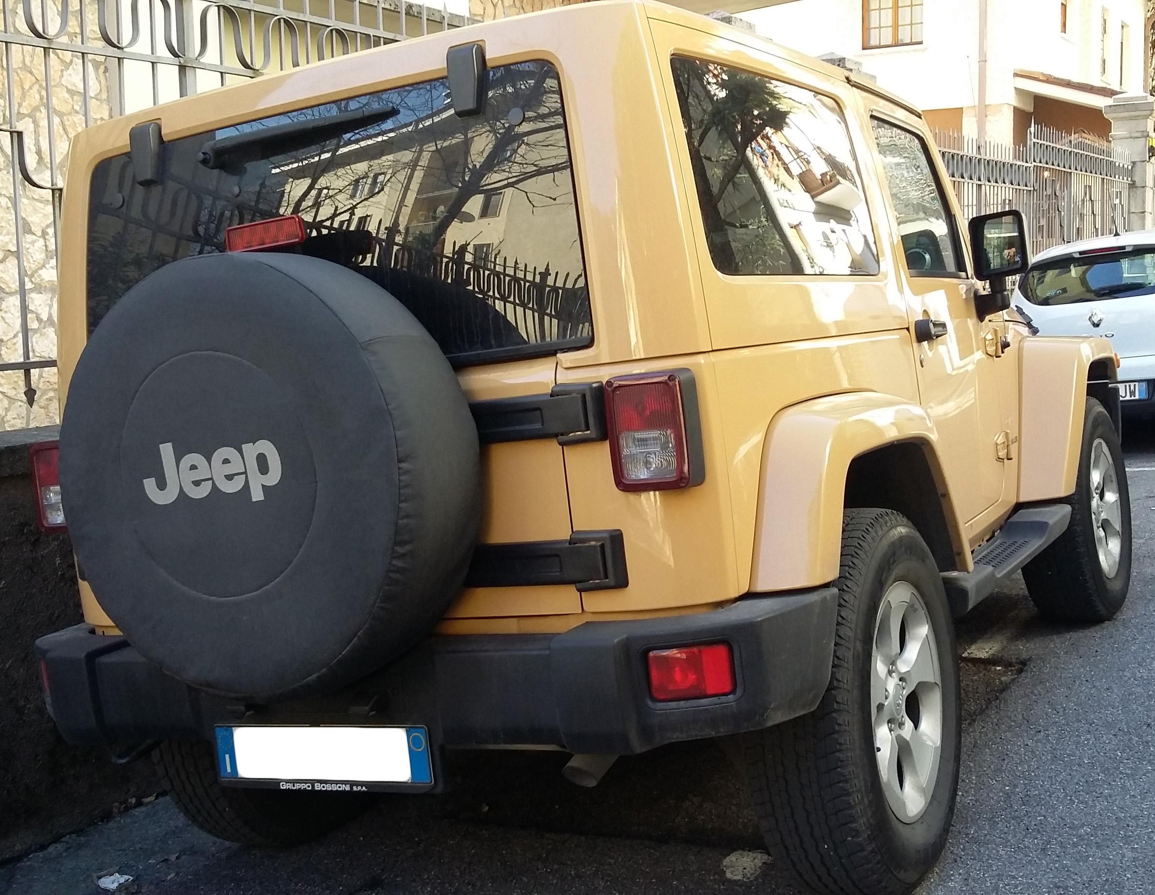File:2006 Jeep Wrangler JK rear jpg - Wikimedia Commons