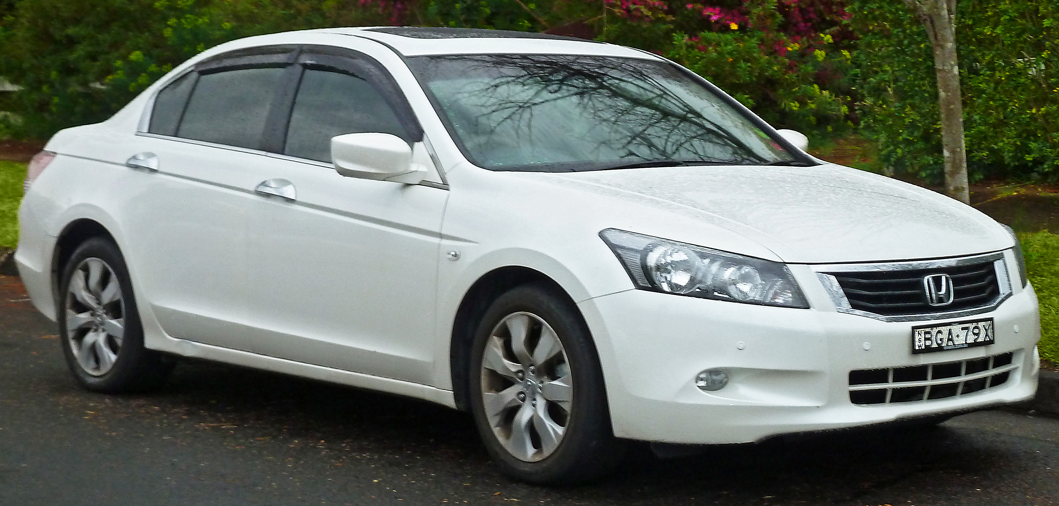 File 2008 2011 Honda Accord Vti L Sedan 2011 08 17 Jpg Wikimedia Commons