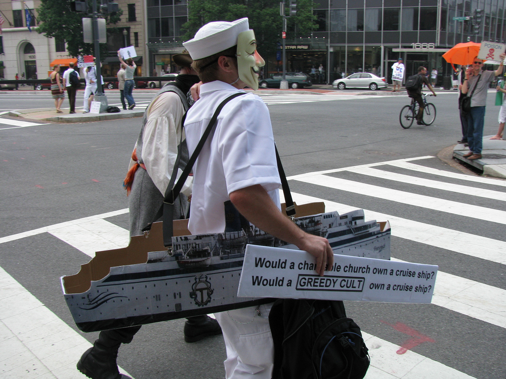 File Anonymous Protest Against Scientology In Washington - Cruise ship costume