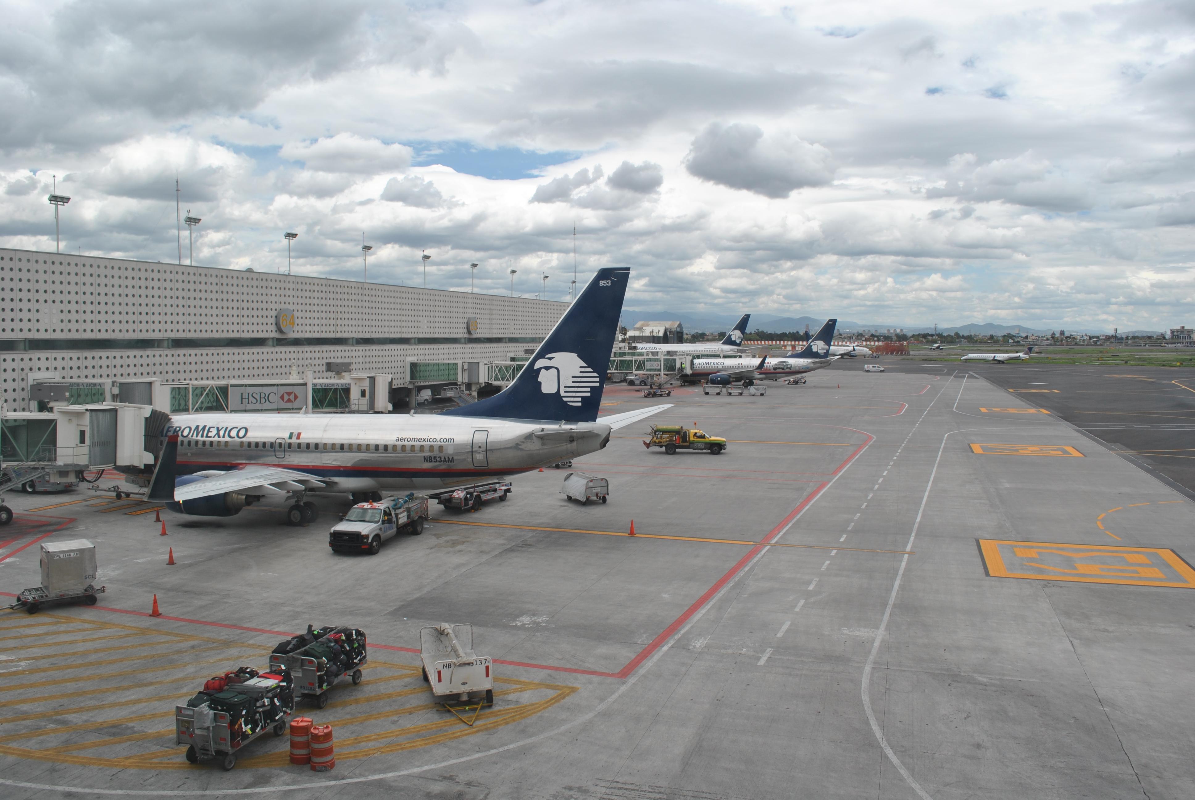 Resultado de imagen para Aeropuerto internacional Ciudad Mexico wiki