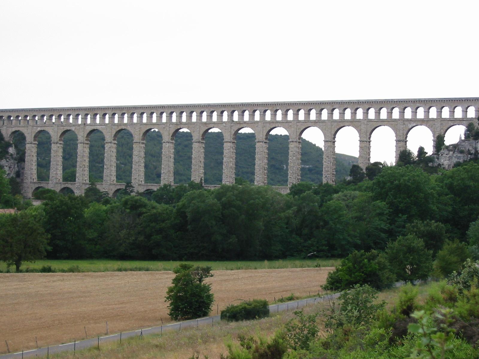 Aqueducs ... Aqueduc_de_Roquefavour