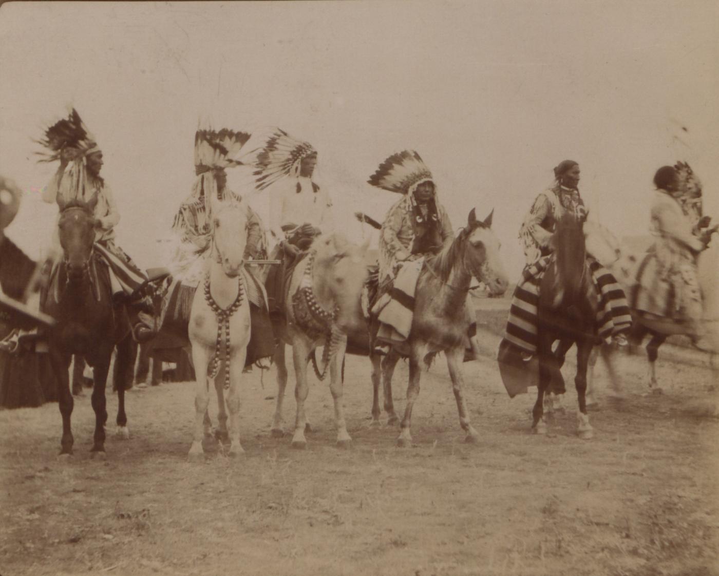 File:Blackfoot Indian braves (HS85-10-18745) jpg - Wikimedia