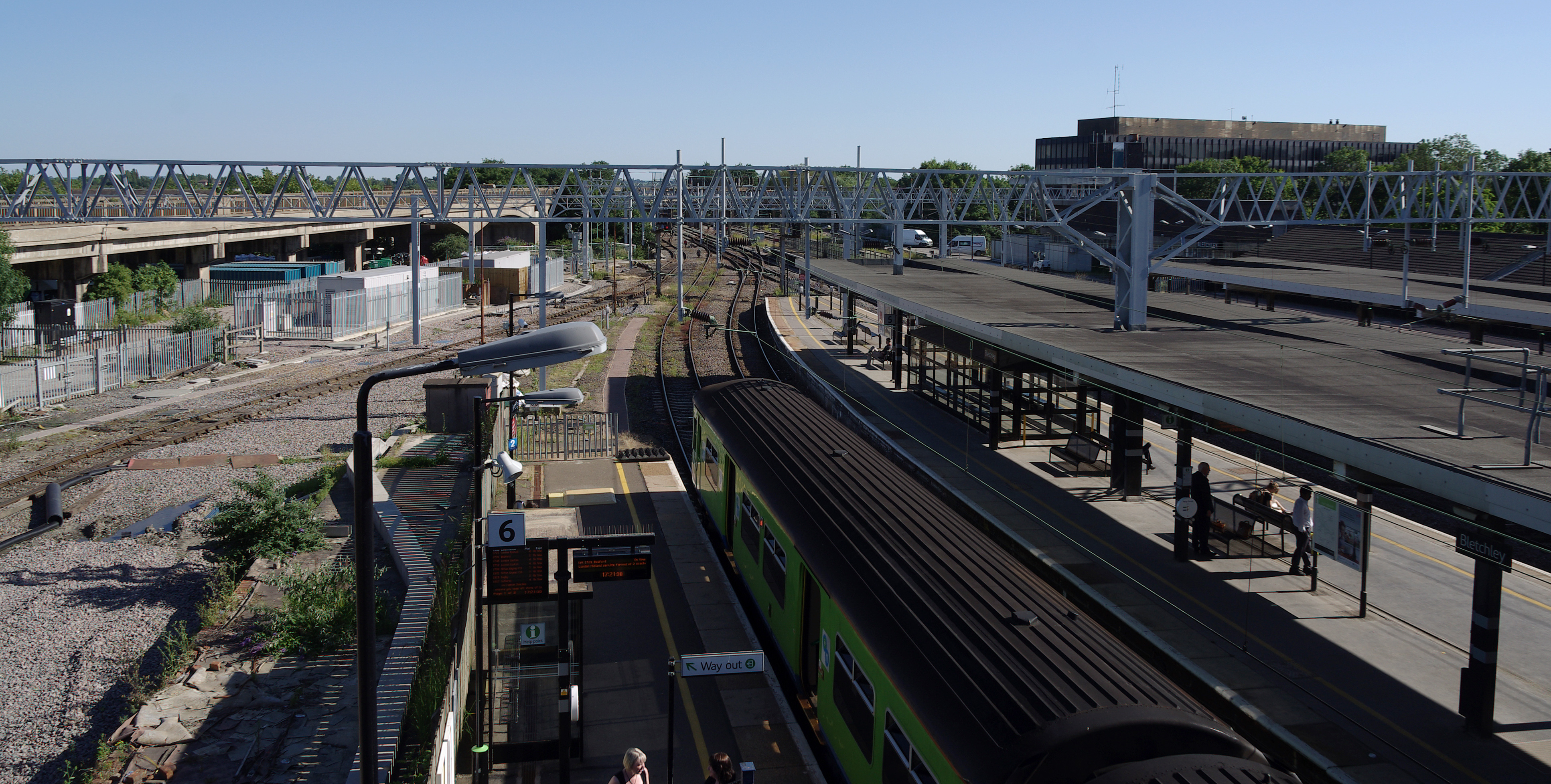 File Bletchley Railway Station Mmb 05 150109 Jpg