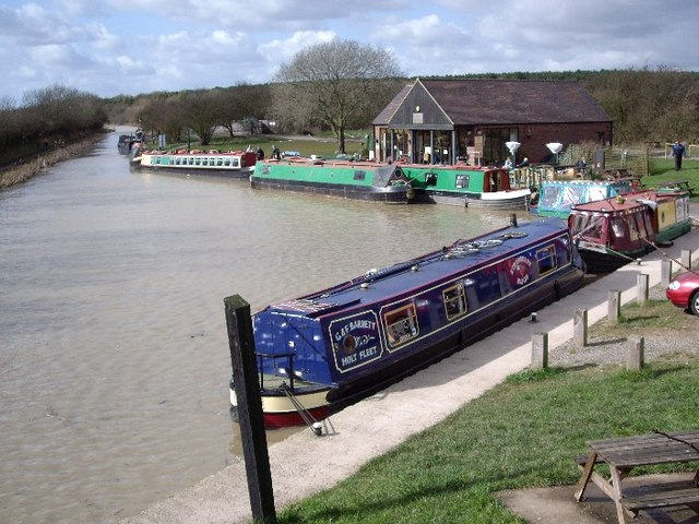 Boat trips at Sutton Wharf - geograph.org.uk - 361317