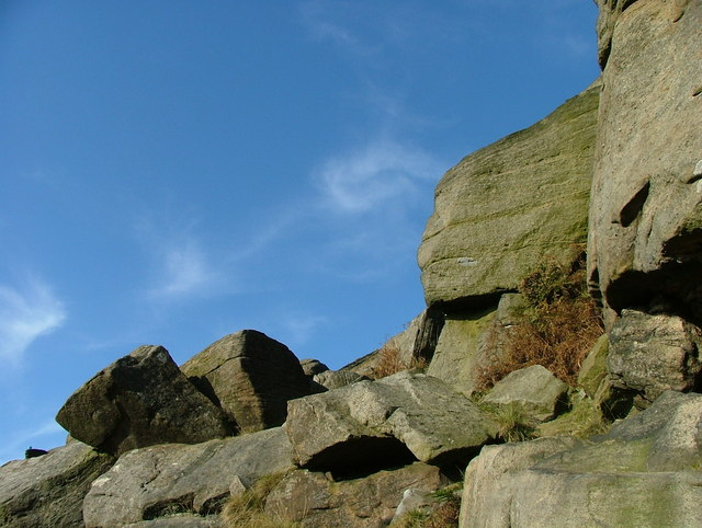 Boulders at Stanage Edge - geograph.org.uk - 591181