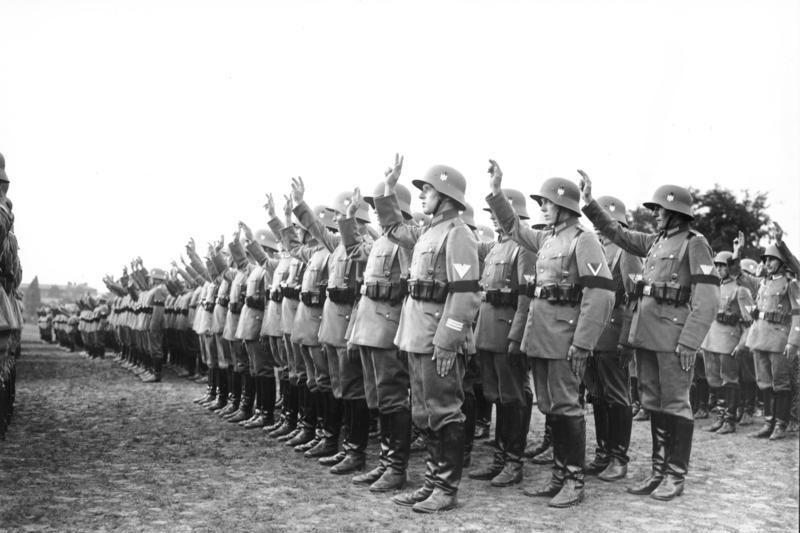 Alemania. 3 marcos 1929 A. Conmemorativa 10 años de la Constitución de Weimar. Bundesarchiv_Bild_102-16108%2C_Vereidigung_von_Reichswehr-Soldaten_auf_Hitler