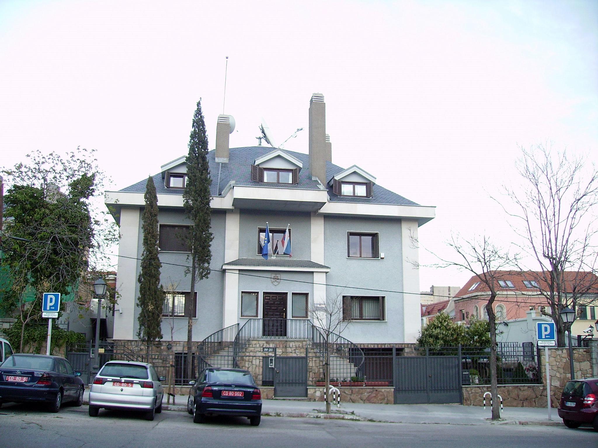 File calle del pinar panoramio ricardo ricote rodr jpg wikimedia commons - Casa ricardo madrid ...