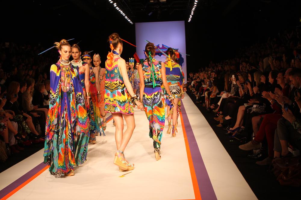 Iconic Fashion Designers S