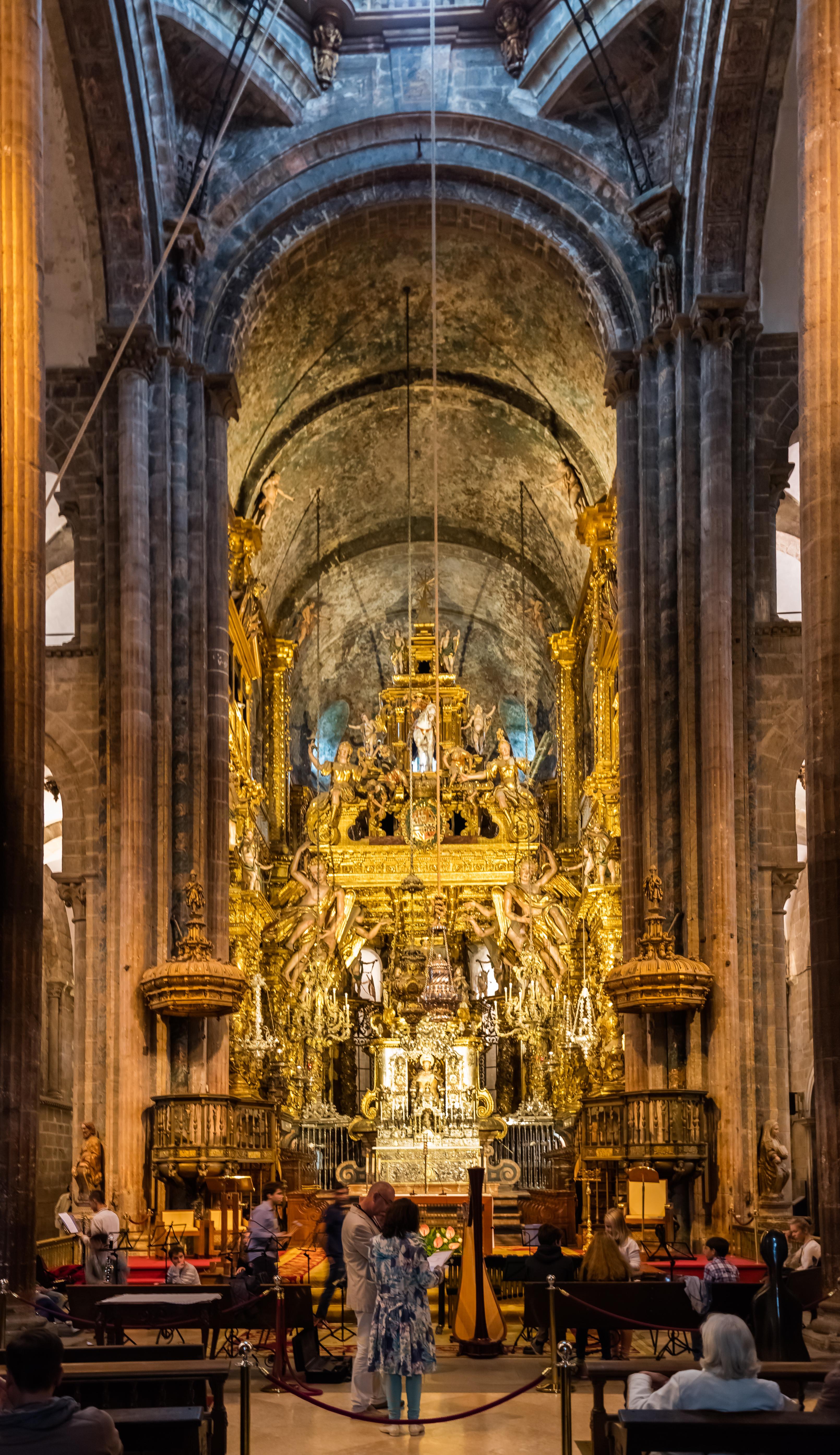 Santiago de compostela spain pictures and videos and news - Interior santiago de compostela ...