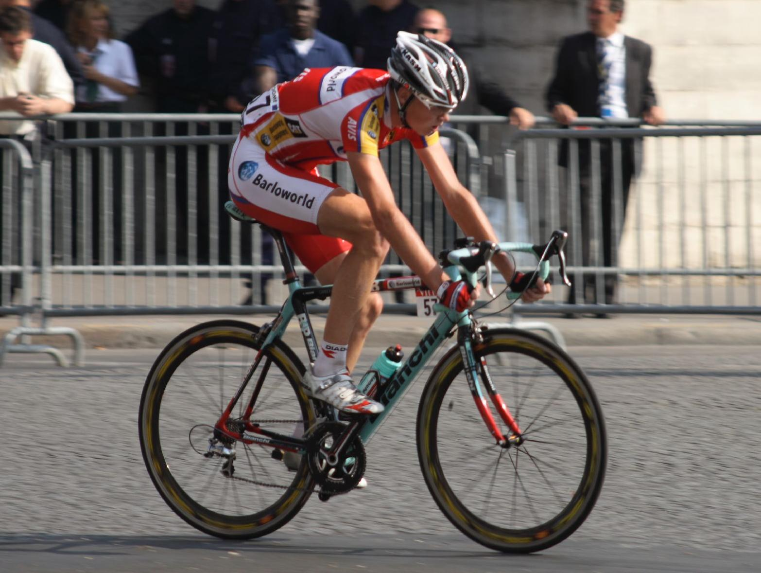 chris froome tour de france 2008 (cropped).jpg