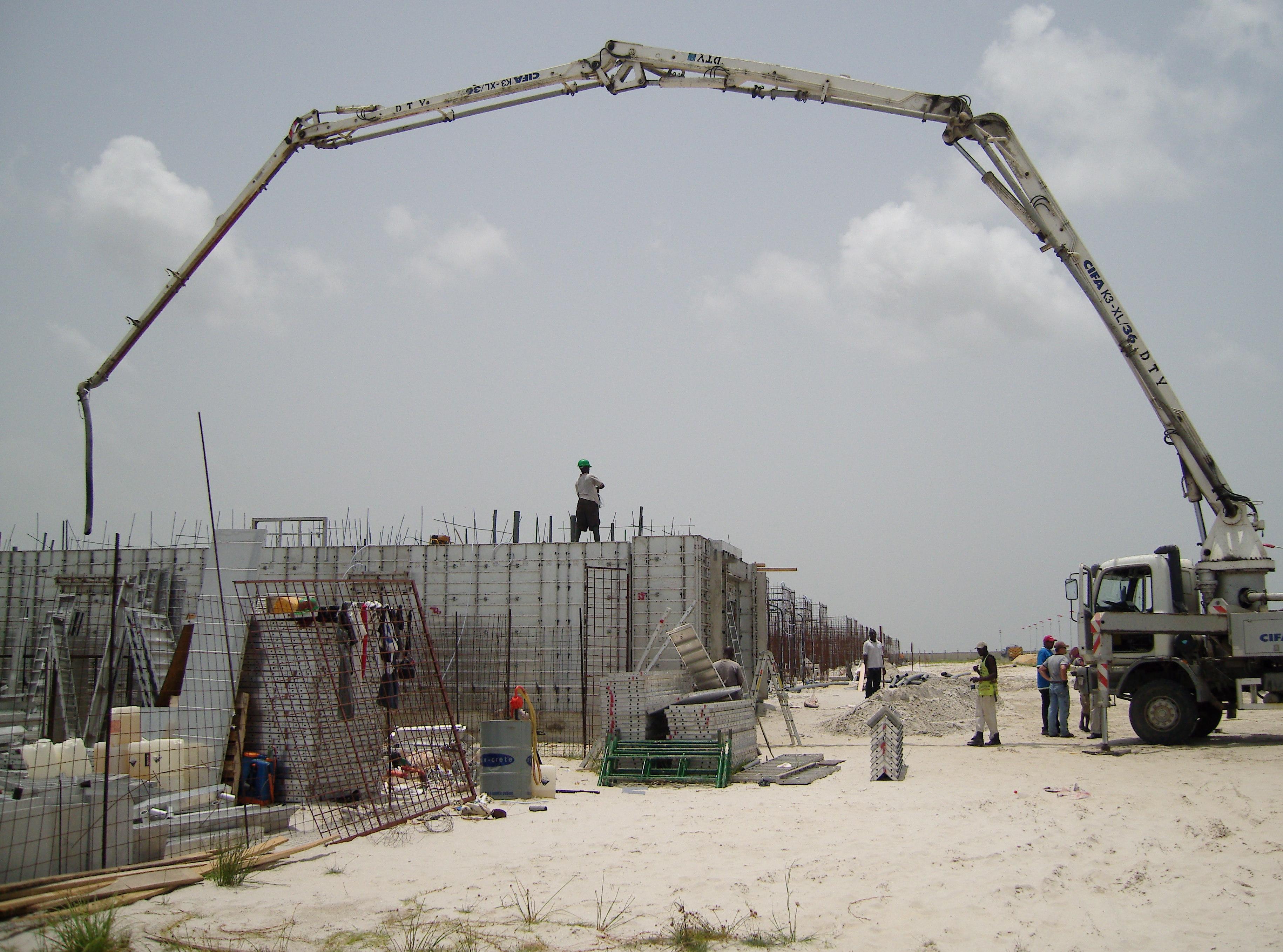 Concrete pump.JPG
