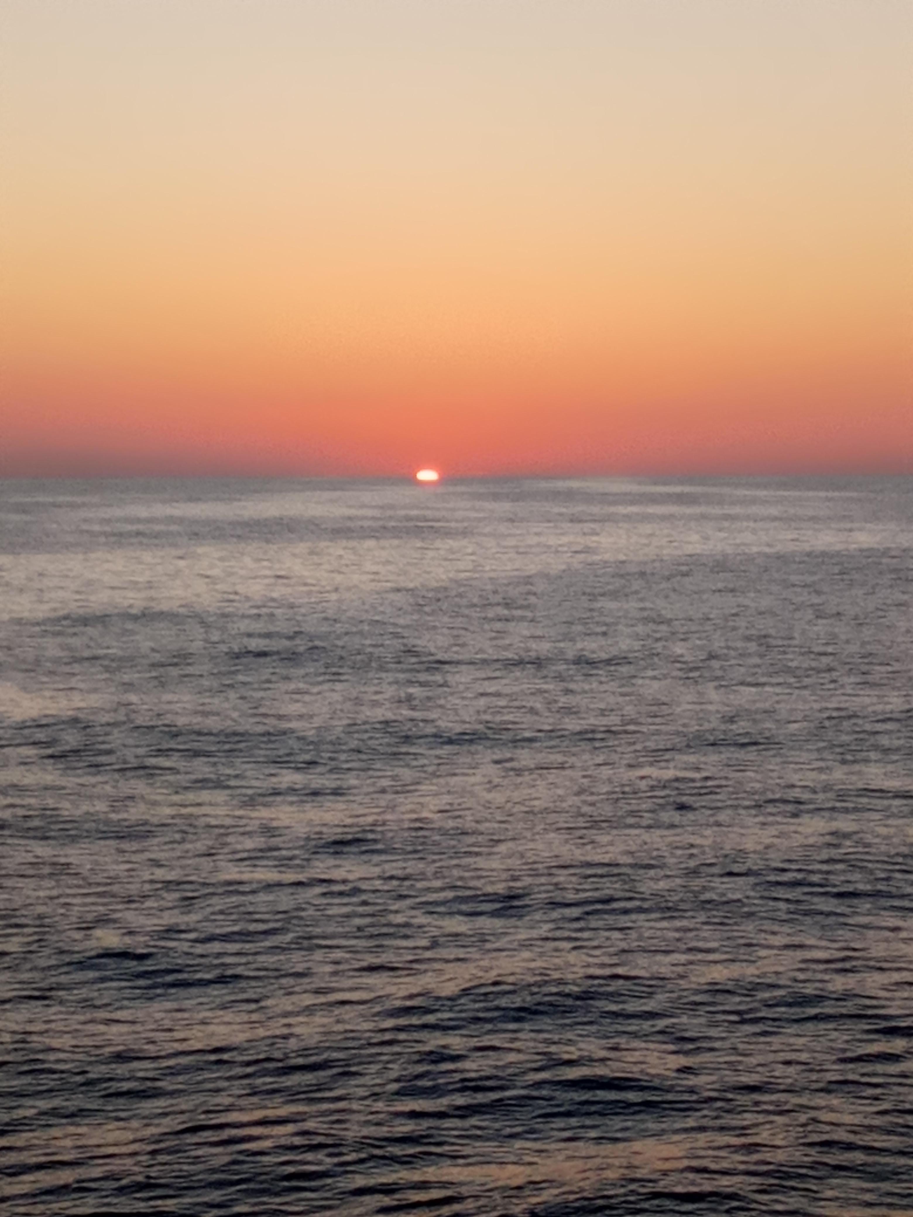 File Coucher De Soleil Dans La Mer Jpg Wikimedia Commons