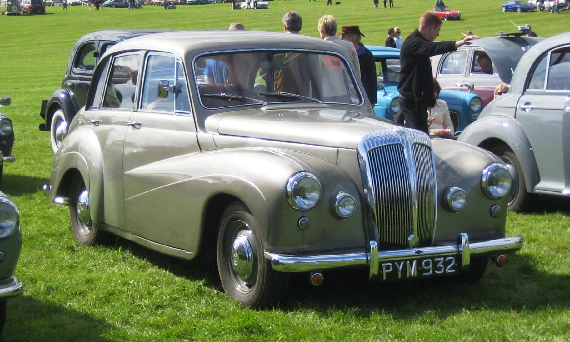 File:Daimler Conquest at Knebworth Classic Car Show.jpg - Wikimedia ...