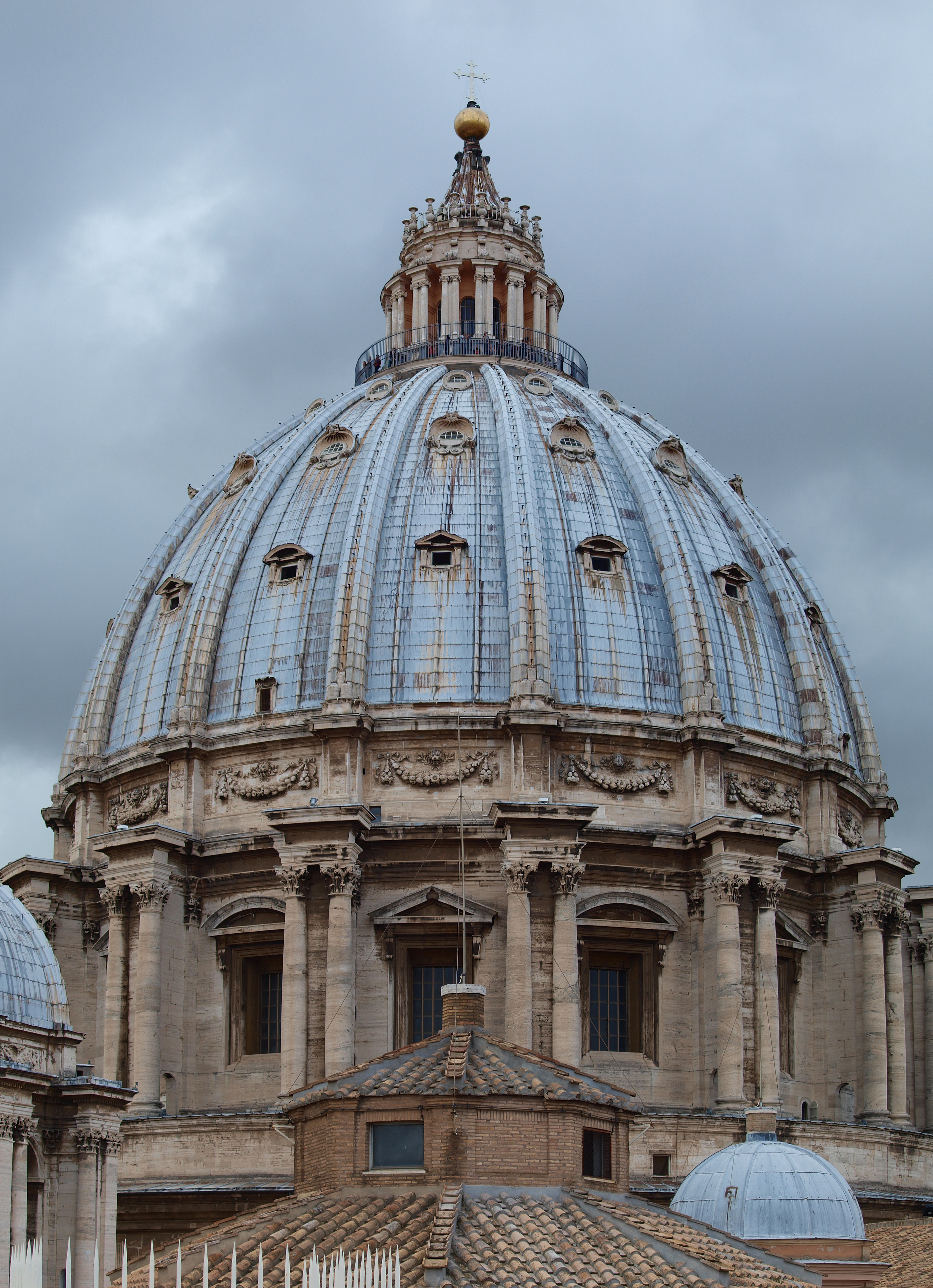 File:Dome of Saint Peter's Basilica (exterior).jpg ...