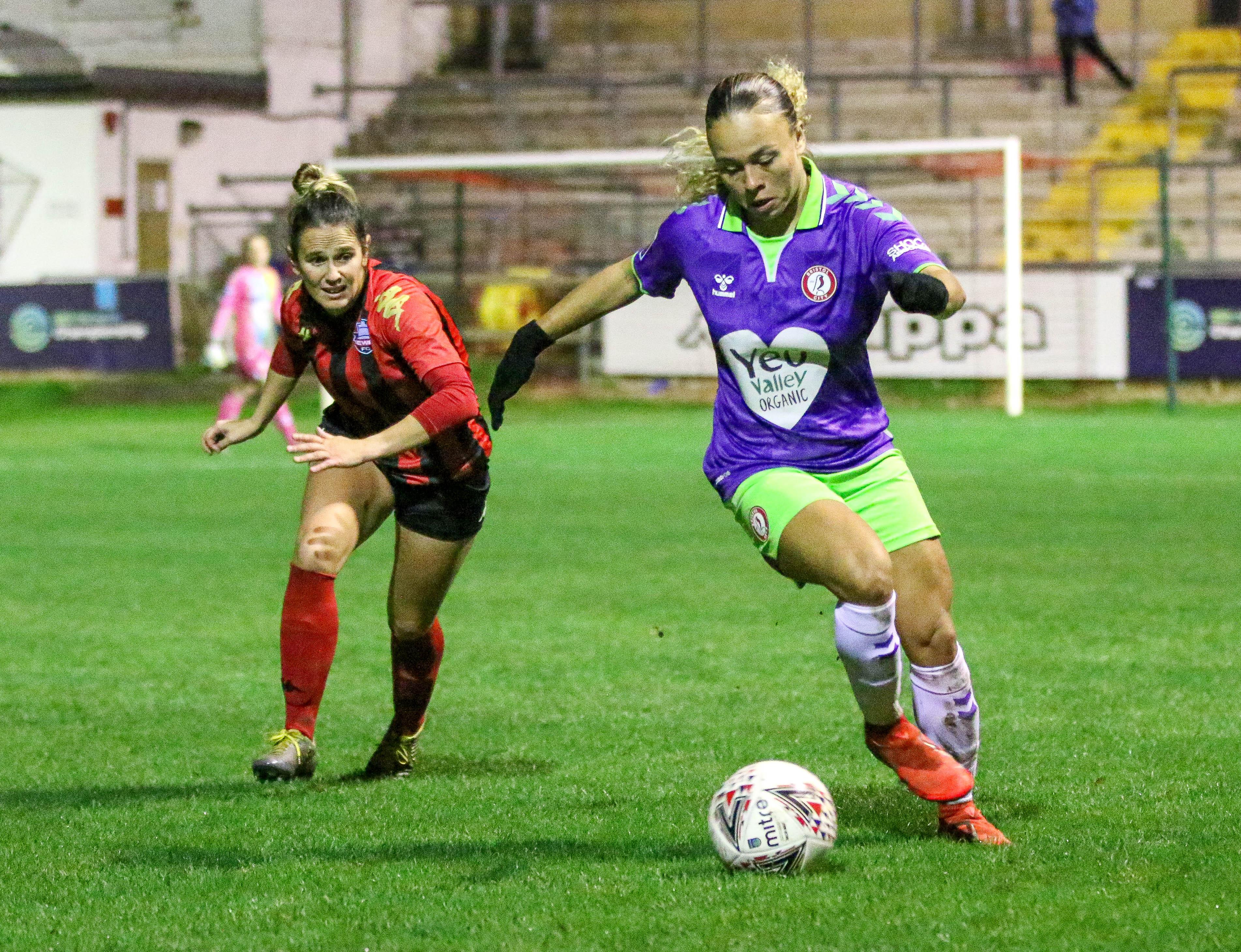 File:Ebony Salmon Lewes FC Women 1 Bristol City Women 3 Conti Cup 18 11  2020-259 (50622484092).jpg - Wikimedia Commons