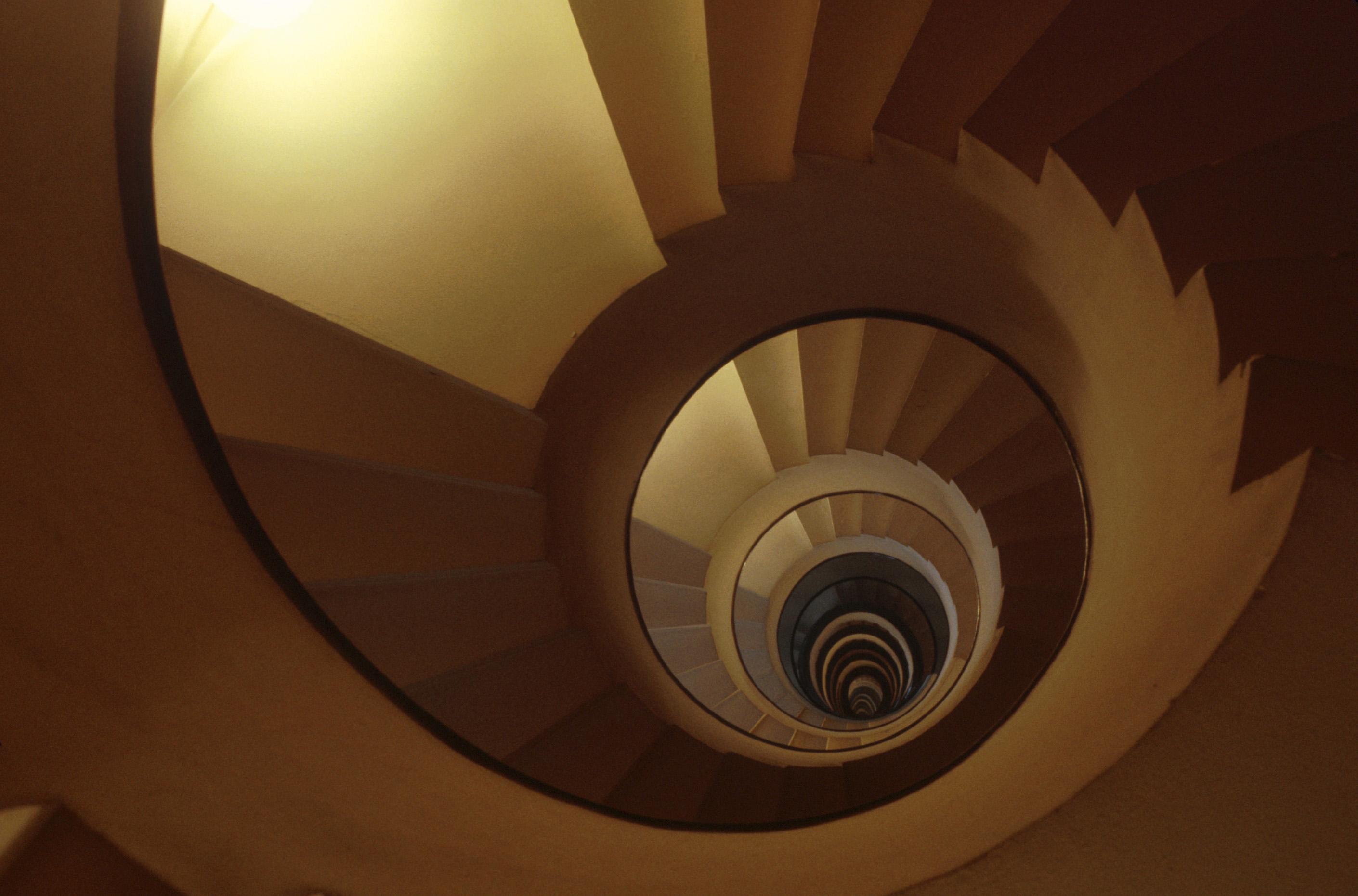 File escalier de la villa martel rue mallet stevens paris par robert mall - Hotel martel mallet stevens ...