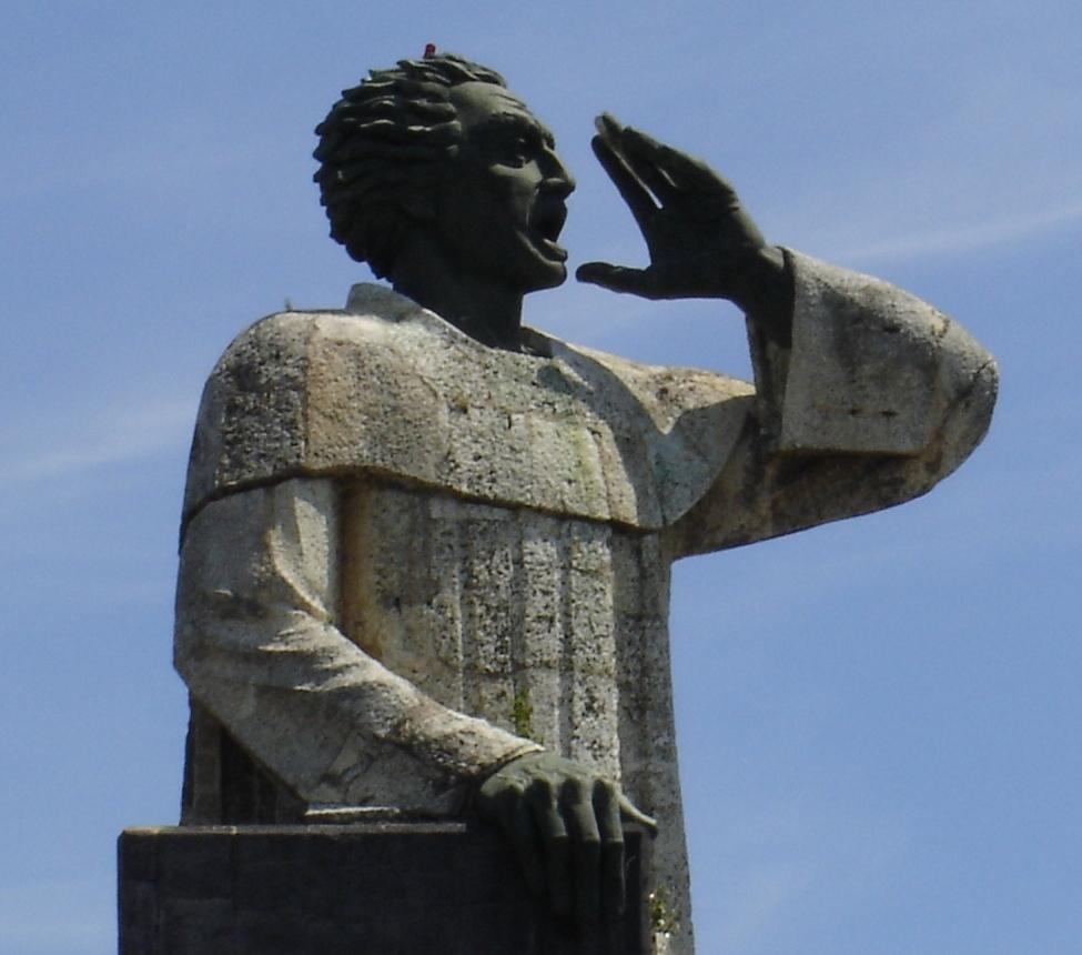 Estatua de Antonio de Montesinos, realizada por el escultor mexicano Antonio Castellanos Basich. Donada por el gobierno de México al pueblo de la República Dominicana, está en el paseo marítimo Malecón de la ciudad de Santo Domingo.