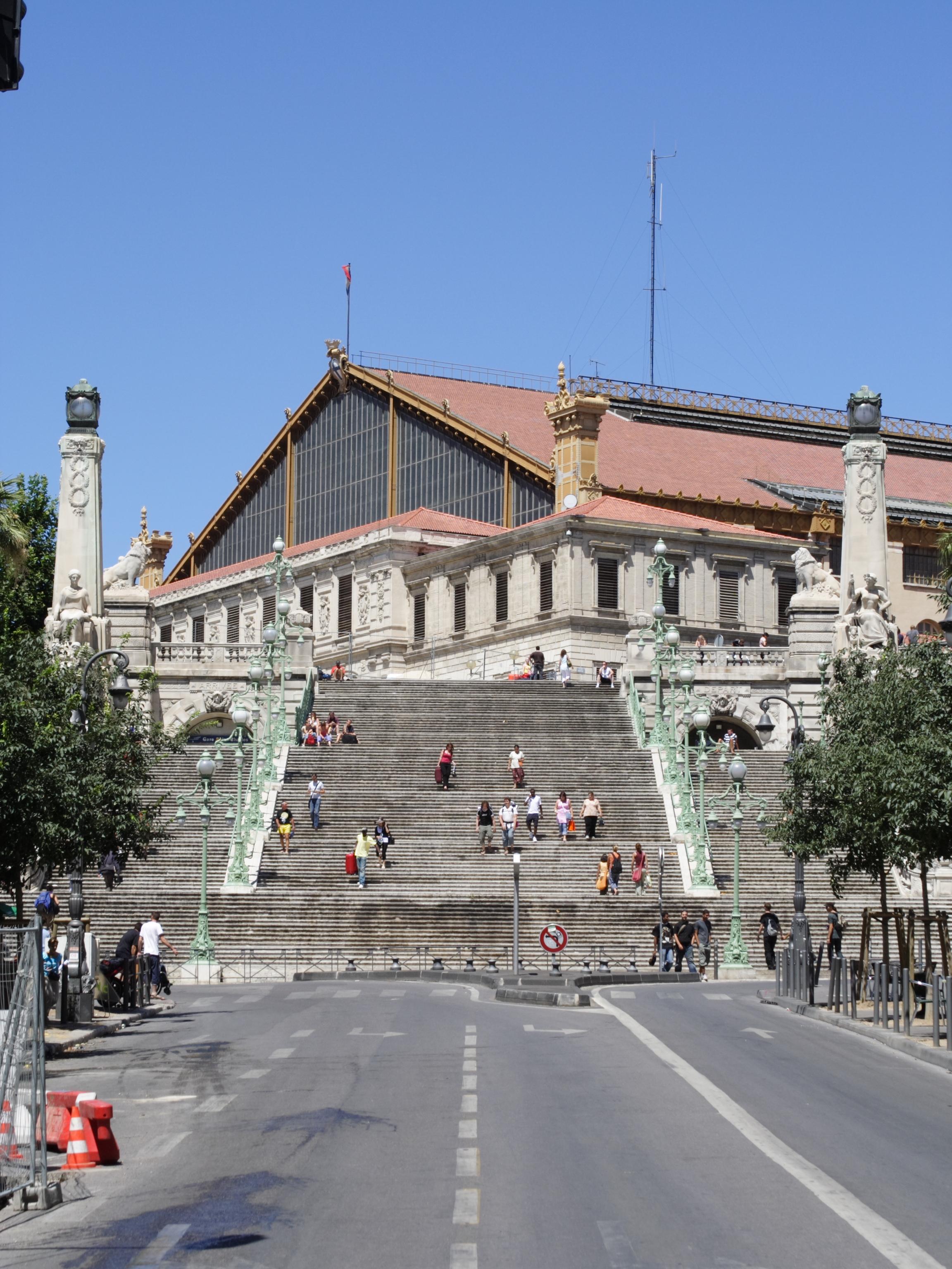 Estación de Marsella-San Carlos - Wikipedia, la enciclopedia libre