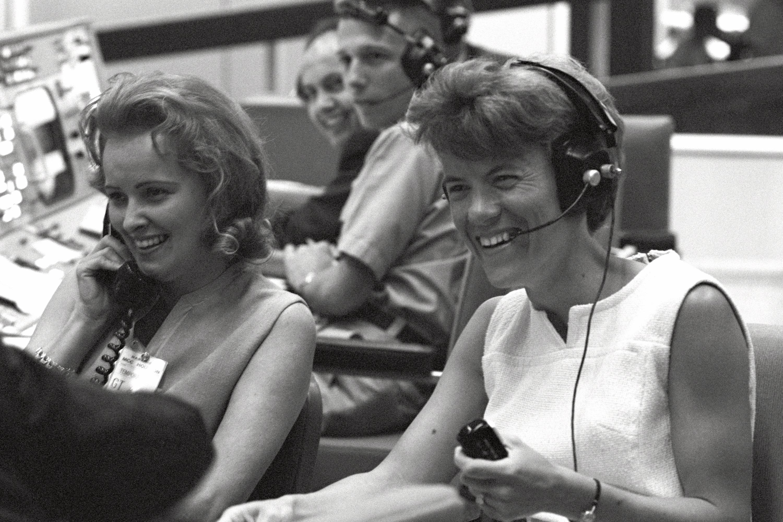 gemini astronauts wives - photo #1
