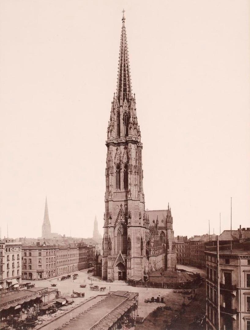 Hamburg_1891-1893%2C_Strumper_%26_Co%2C_S._21_Die_St._Nicolai_Kirche.jpg