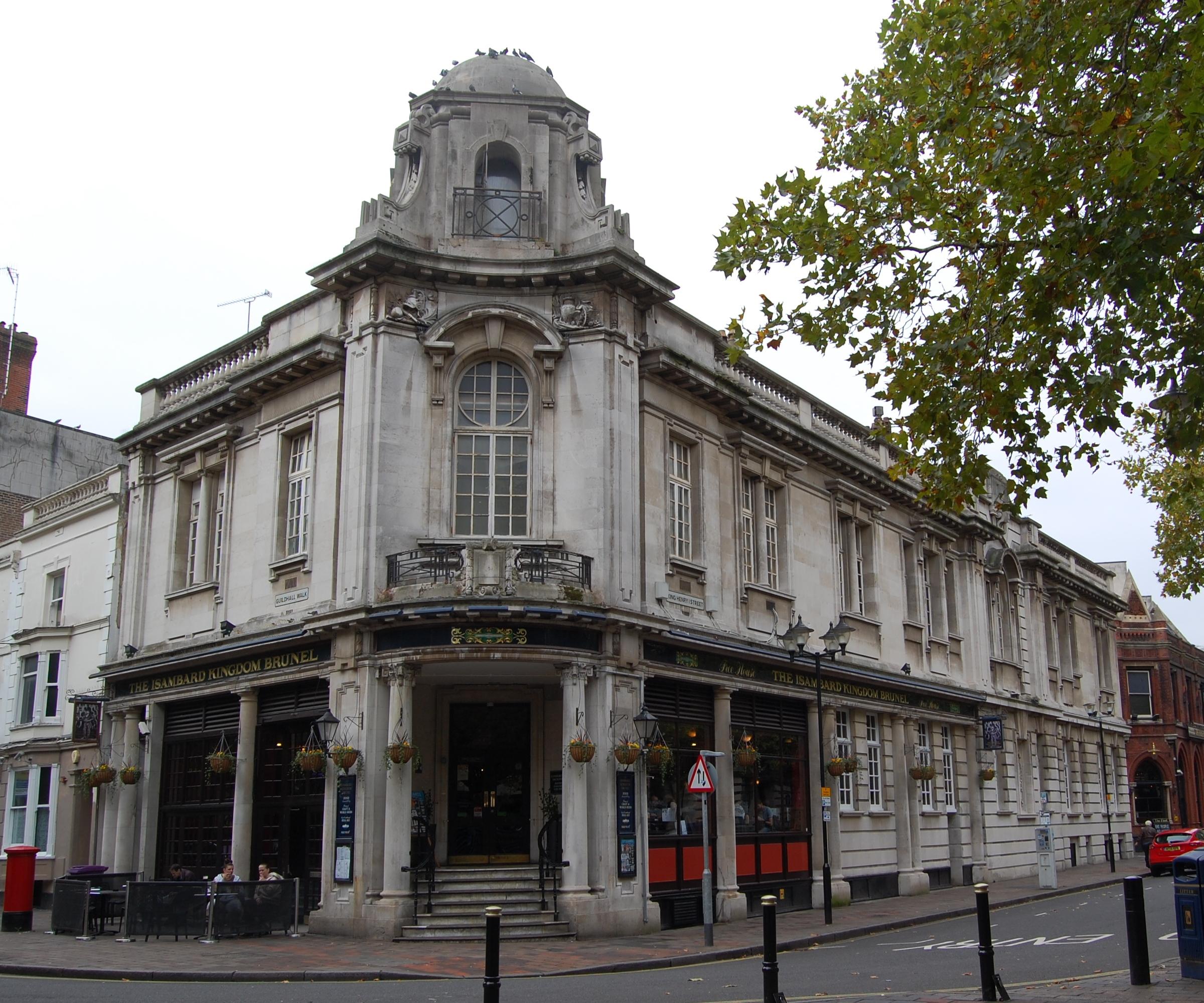 Isambard_Kingdom_Brunel_pub%2C_Guildhall_Walk%2C_Portsmouth_%28October_2017%29.JPG?profile=RESIZE_710x