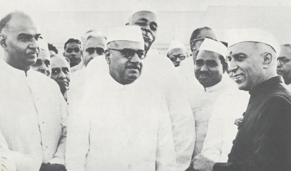 awaharlal Nehru with Syama Prasad Mookerjee and Jairamdas Doulatram in the rear are Govind Ballabh Pant and Jagjivan Ram