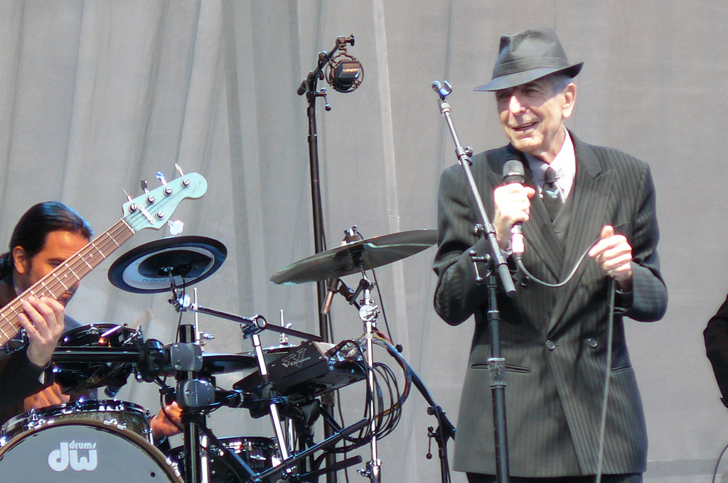 Leonard Cohen on stage at Edinburgh Castle, Scotland 16 Jul 2008. By jonl1973. Flickr