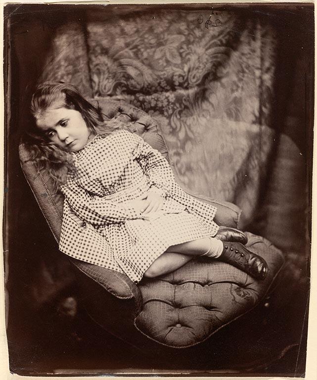http://upload.wikimedia.org/wikipedia/commons/4/4f/Lewis_Carroll_(the_Reverend_Charles_Lutwidge_Dodgson)_Margaret_Frances_Langton_Clarke,_1864.jpg