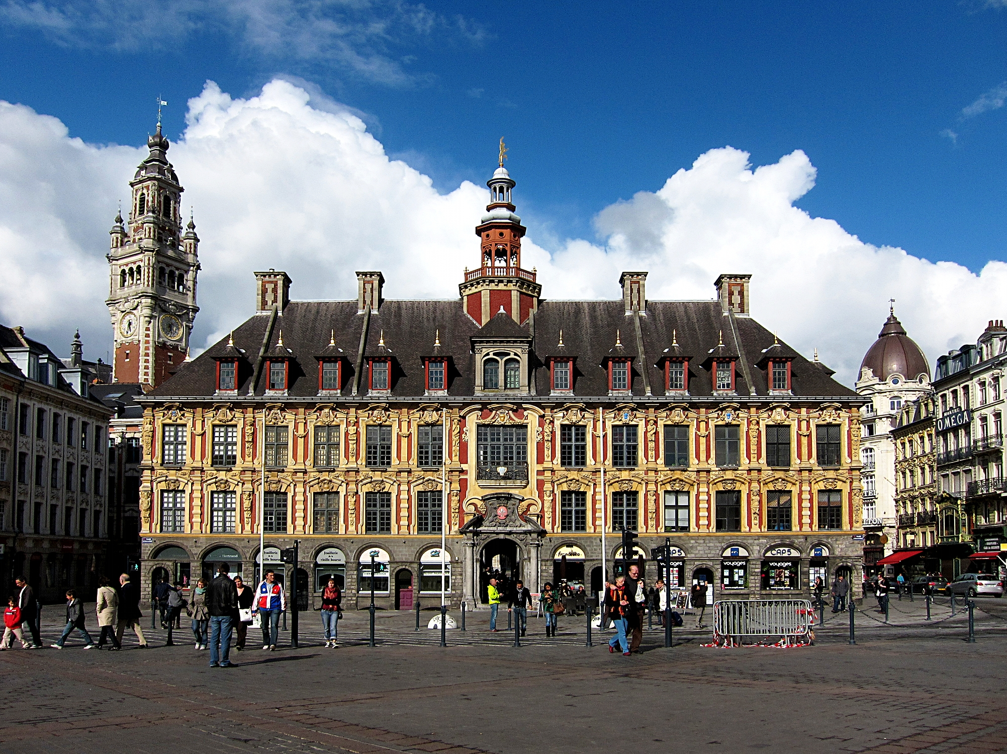 File:Lille vieille bourse.JPG - Wikimedia Commons
