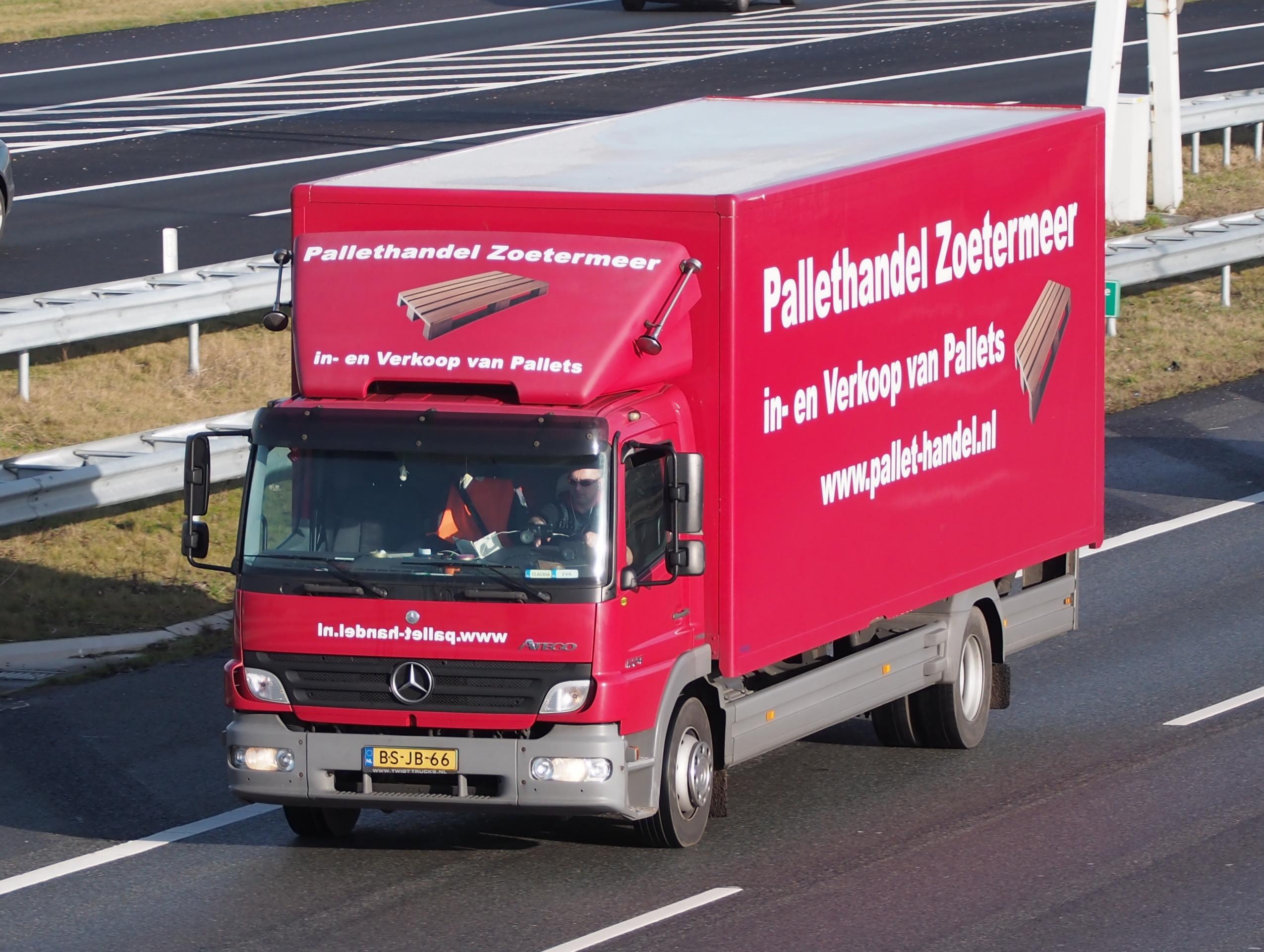 File:Mercedes Atego, Pallethandel Zoetermeer.jpg