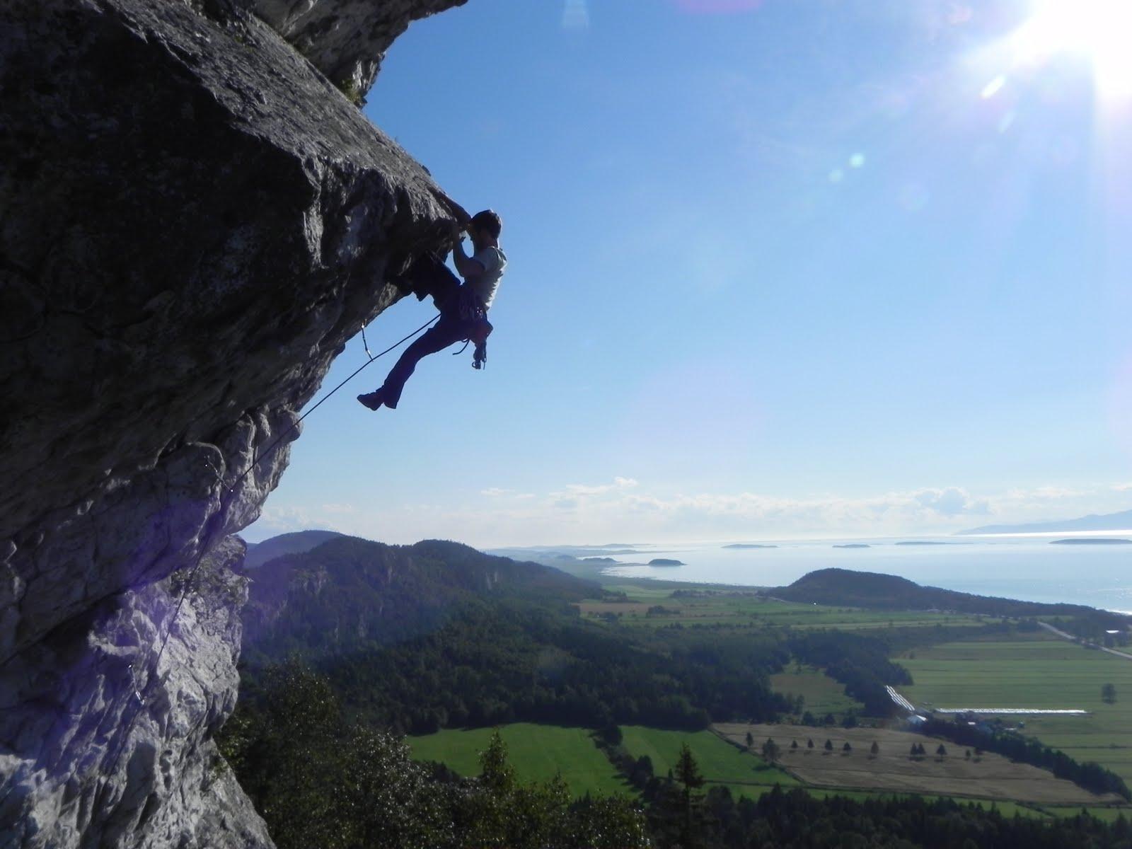 overhang  rock formation