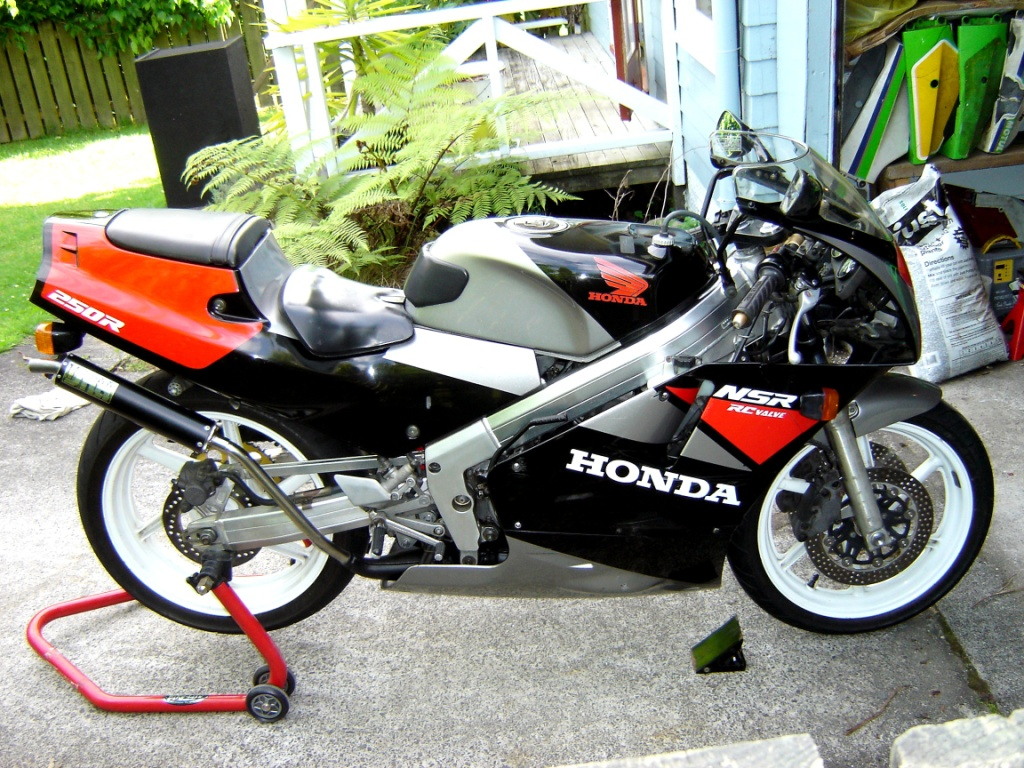 honda nsr250r wikipedia. Black Bedroom Furniture Sets. Home Design Ideas