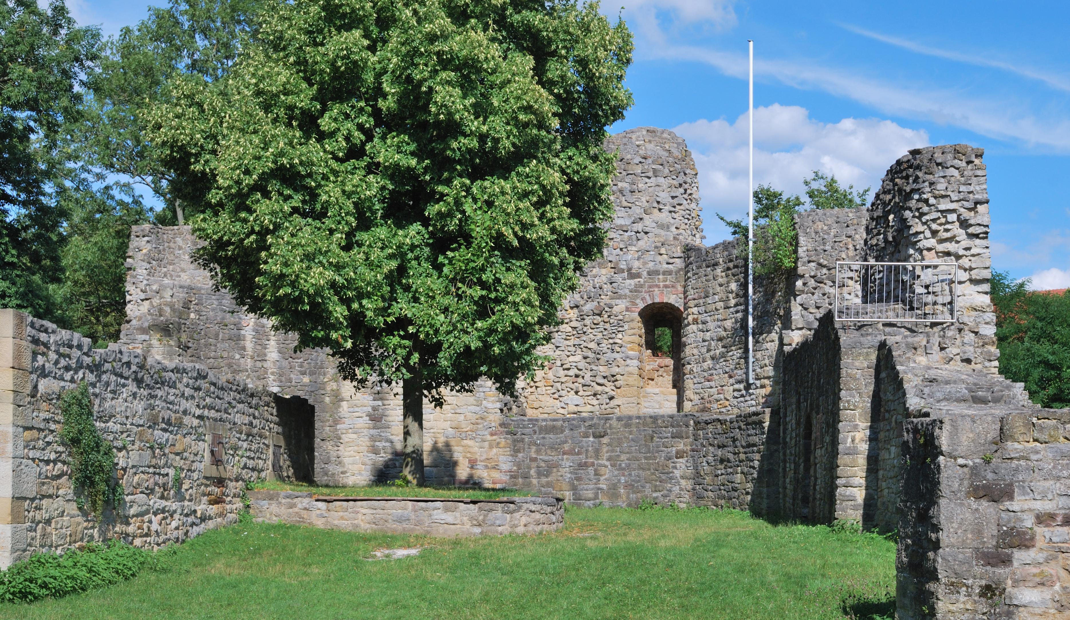 Nippenburg httpsuploadwikimediaorgwikipediacommons44