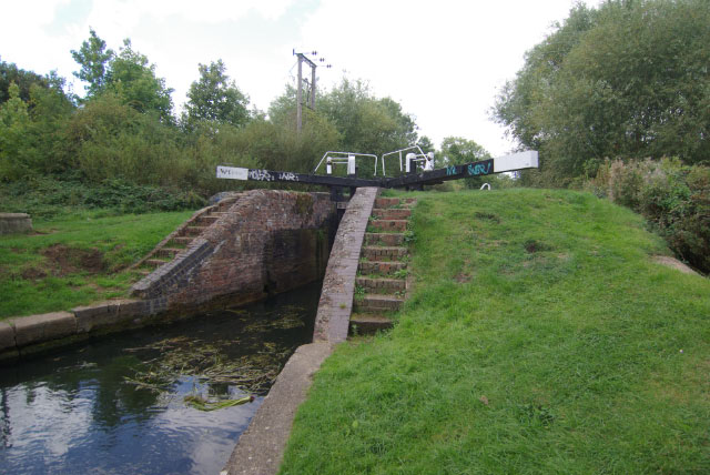 No 16 Lock, Northampton Arm, Grand Union Canal - geograph.org.uk - 1497224
