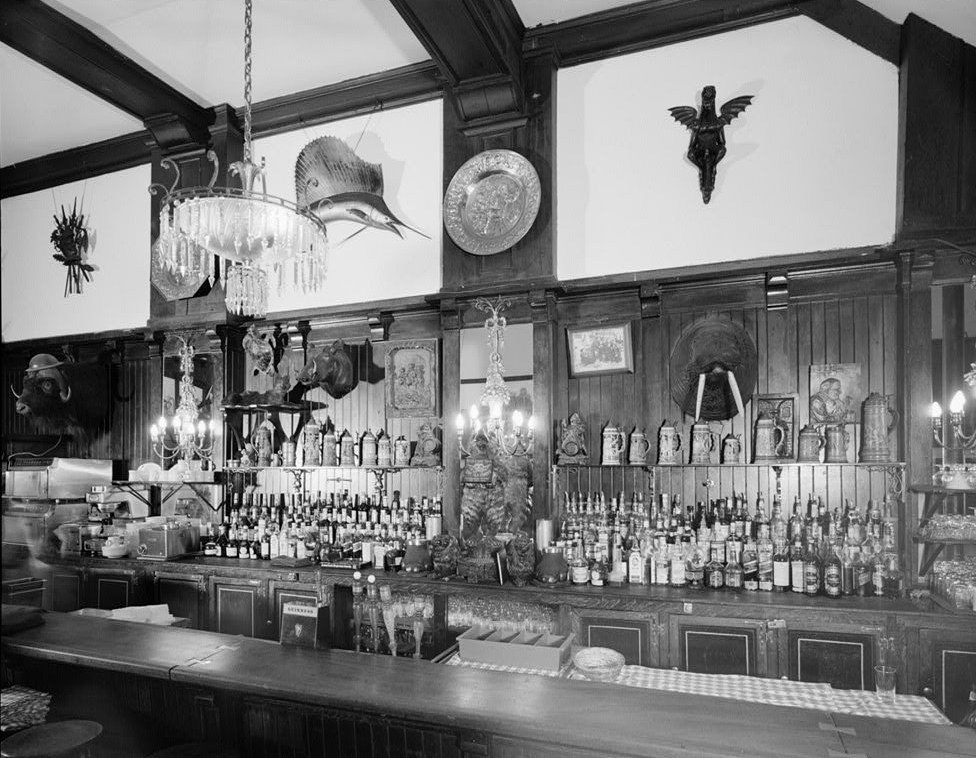 File:Old Ebbitt Grill Old F Street Location first floor looking west ...