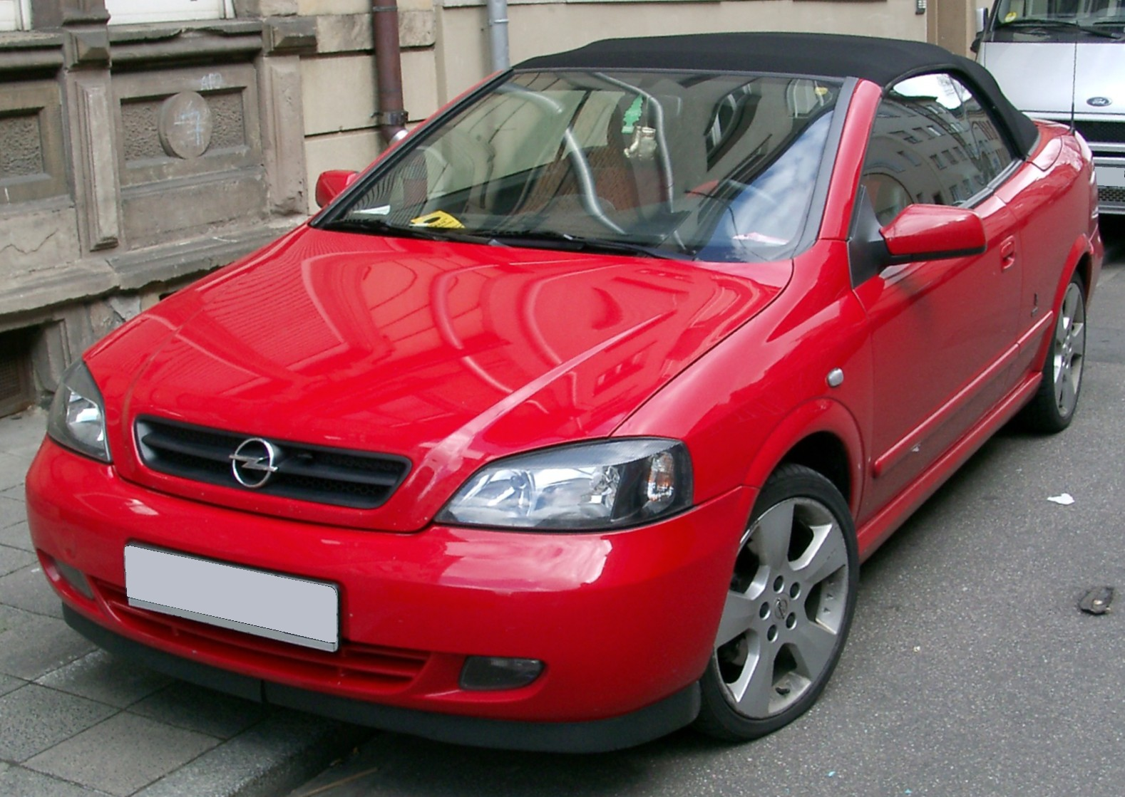 file opel astra cabrio front wikimedia commons. Black Bedroom Furniture Sets. Home Design Ideas