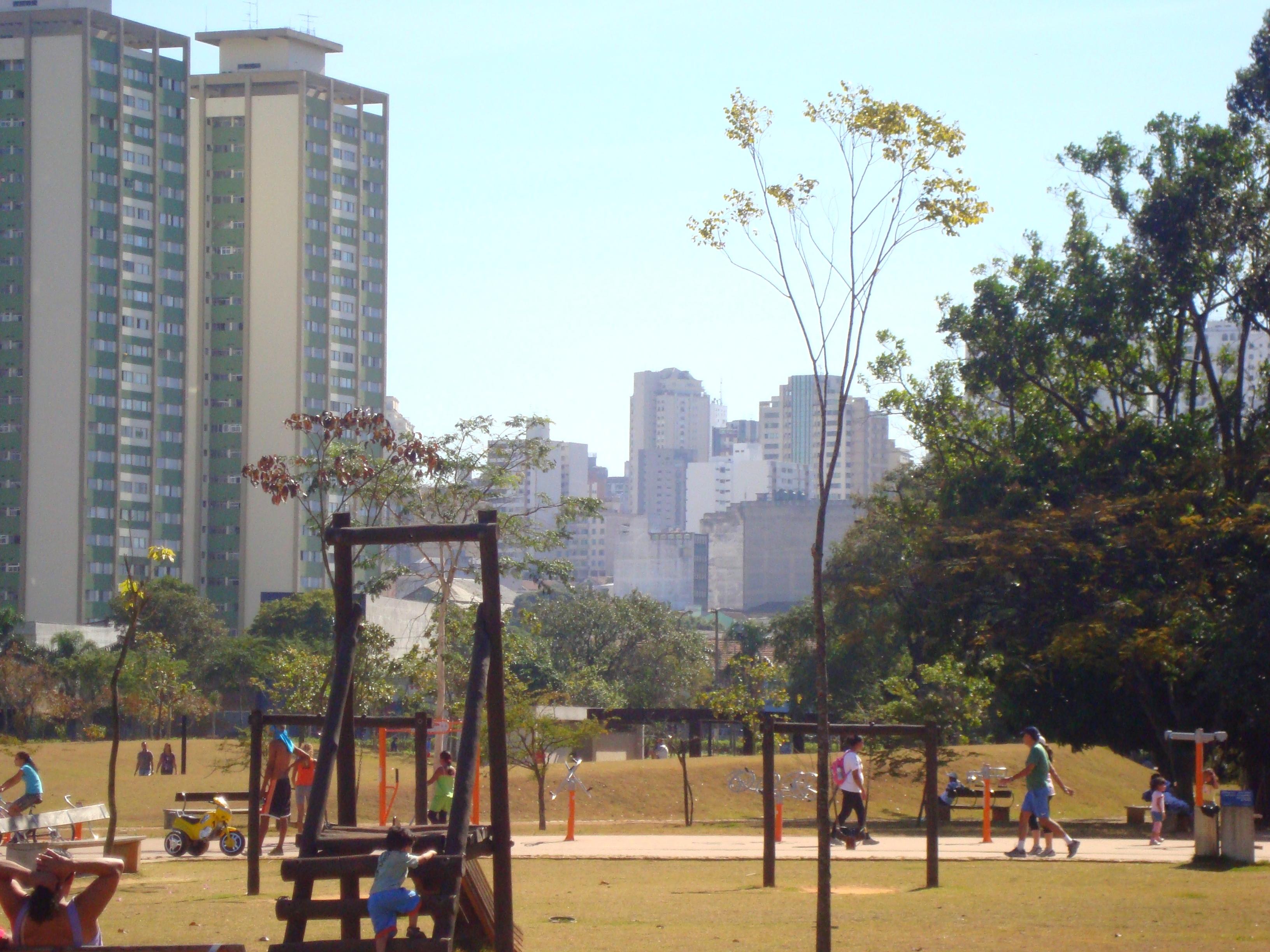 Parque_da_Juventude_e_Santana.JPG